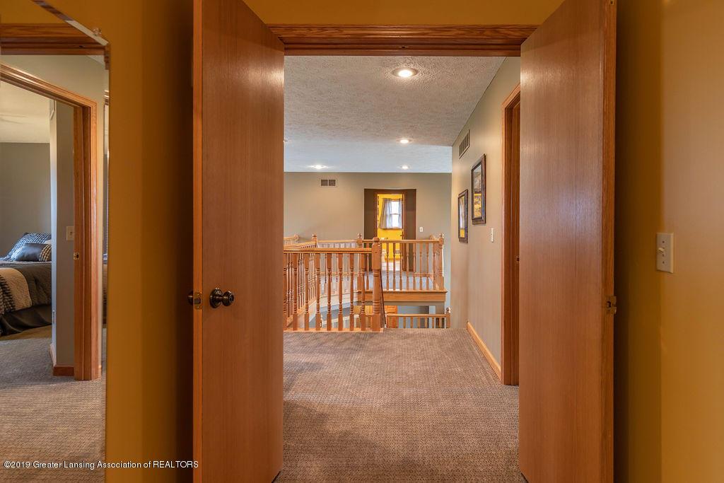 3150 Crofton Dr - 2nd Floor Bedroom Suite - 37