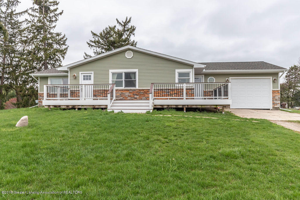 9075 Round Lake Rd - Front - 1