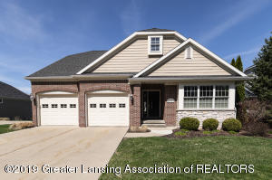 6149 Bridgewater Cir 49, East Lansing, MI 48823