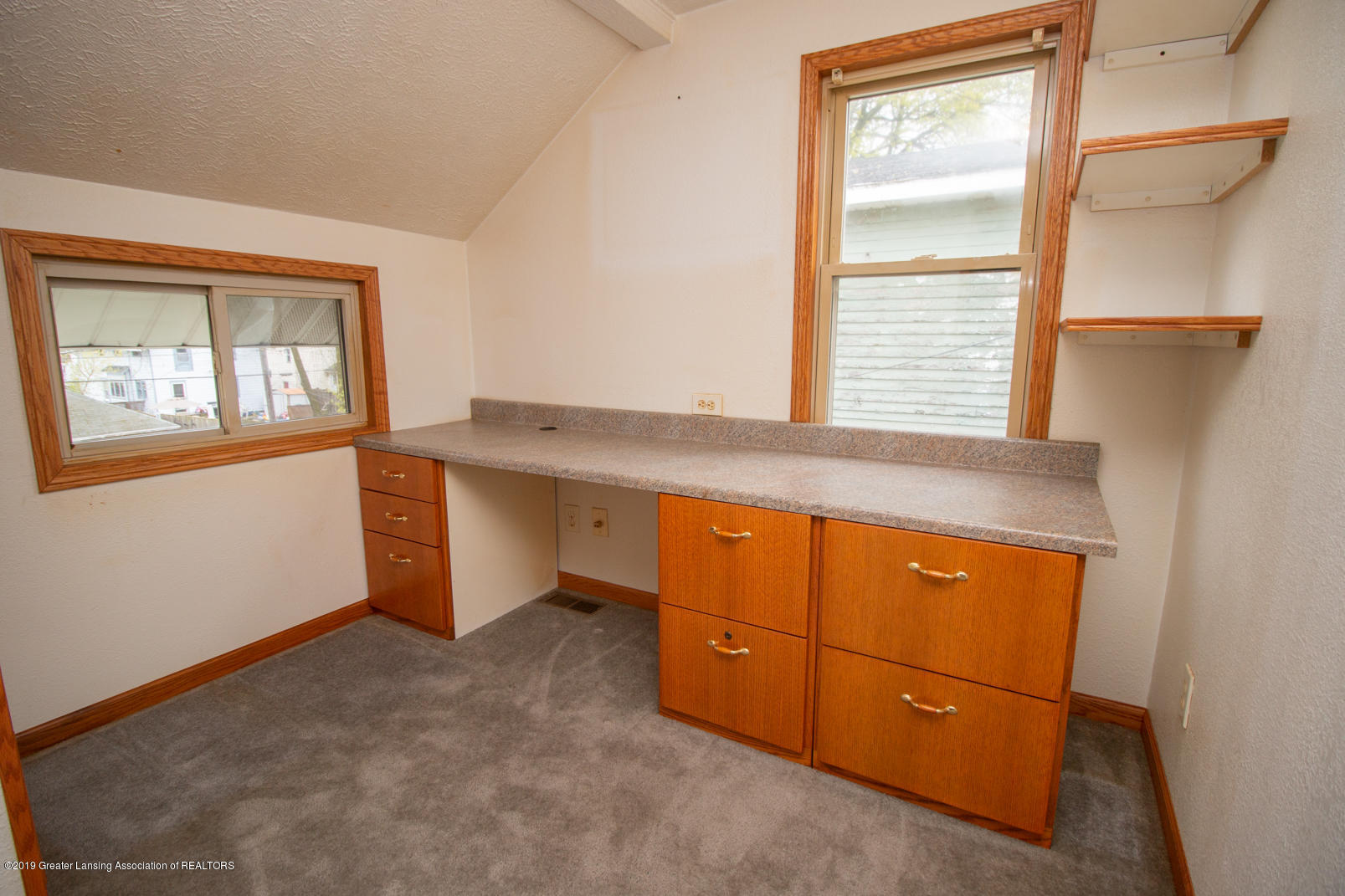 613 W Mt Hope Ave - Bedroom / Office - 17