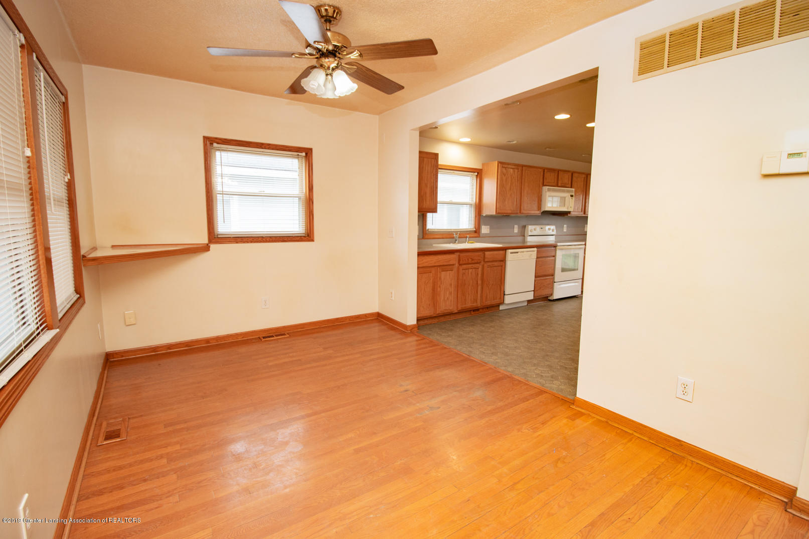 613 W Mt Hope Ave - Dining Area - 9