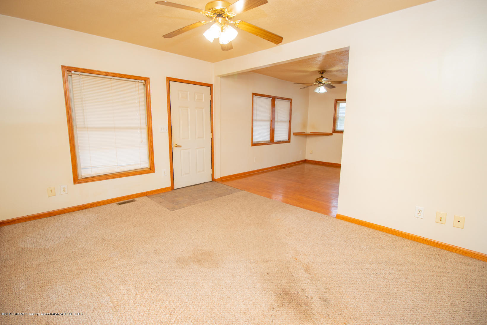 613 W Mt Hope Ave - Living Room - 12