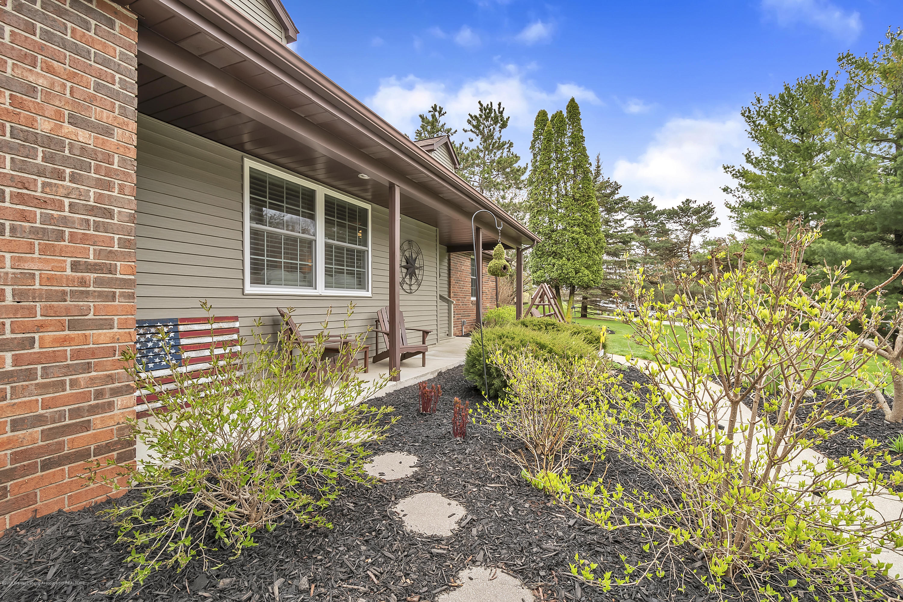 5075 Lake Dr - 5075-Lake-Dr-Owosso-windowstill-6 - 6