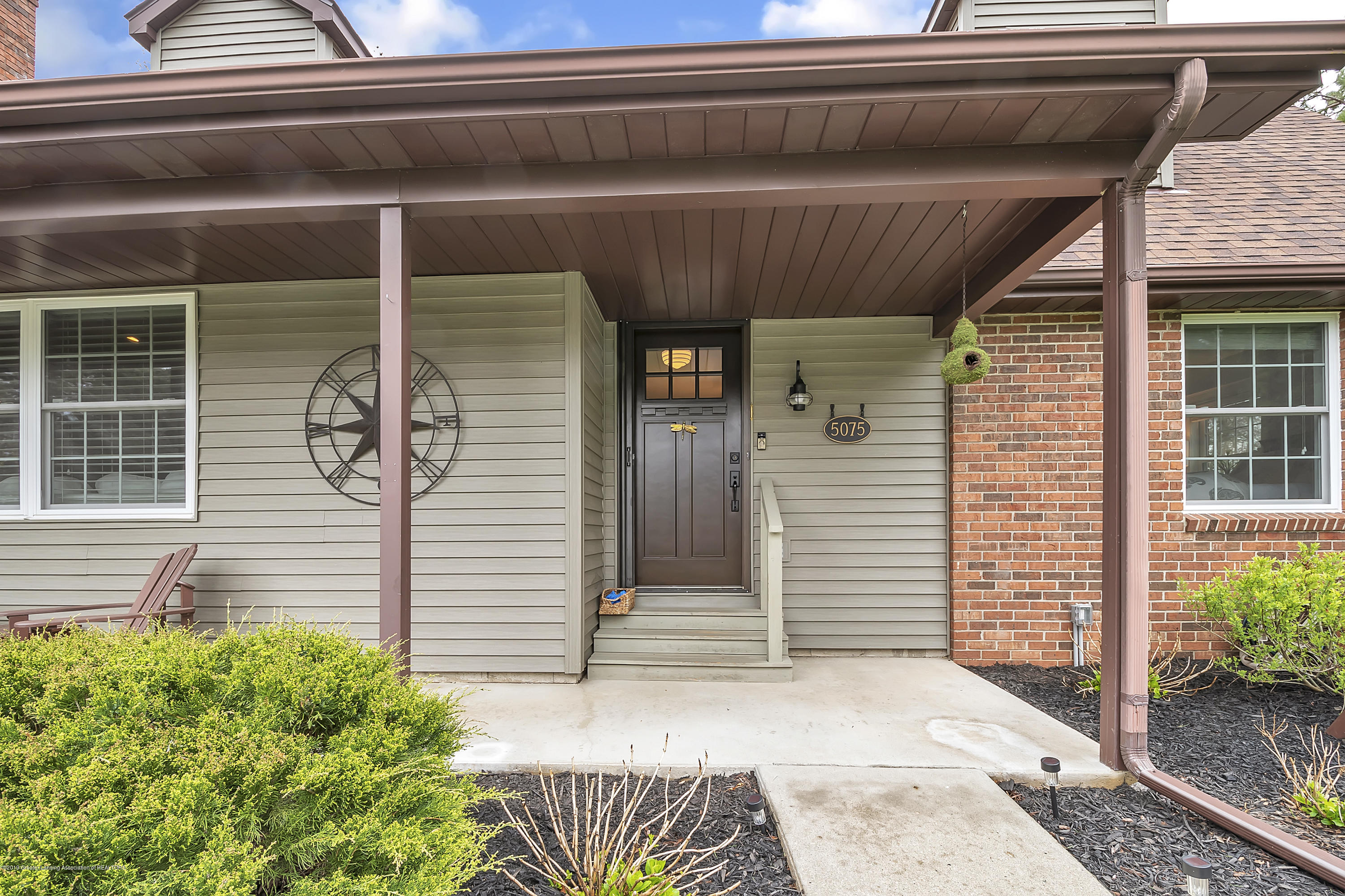 5075 Lake Dr - 5075-Lake-Dr-Owosso-windowstill-7 - 7