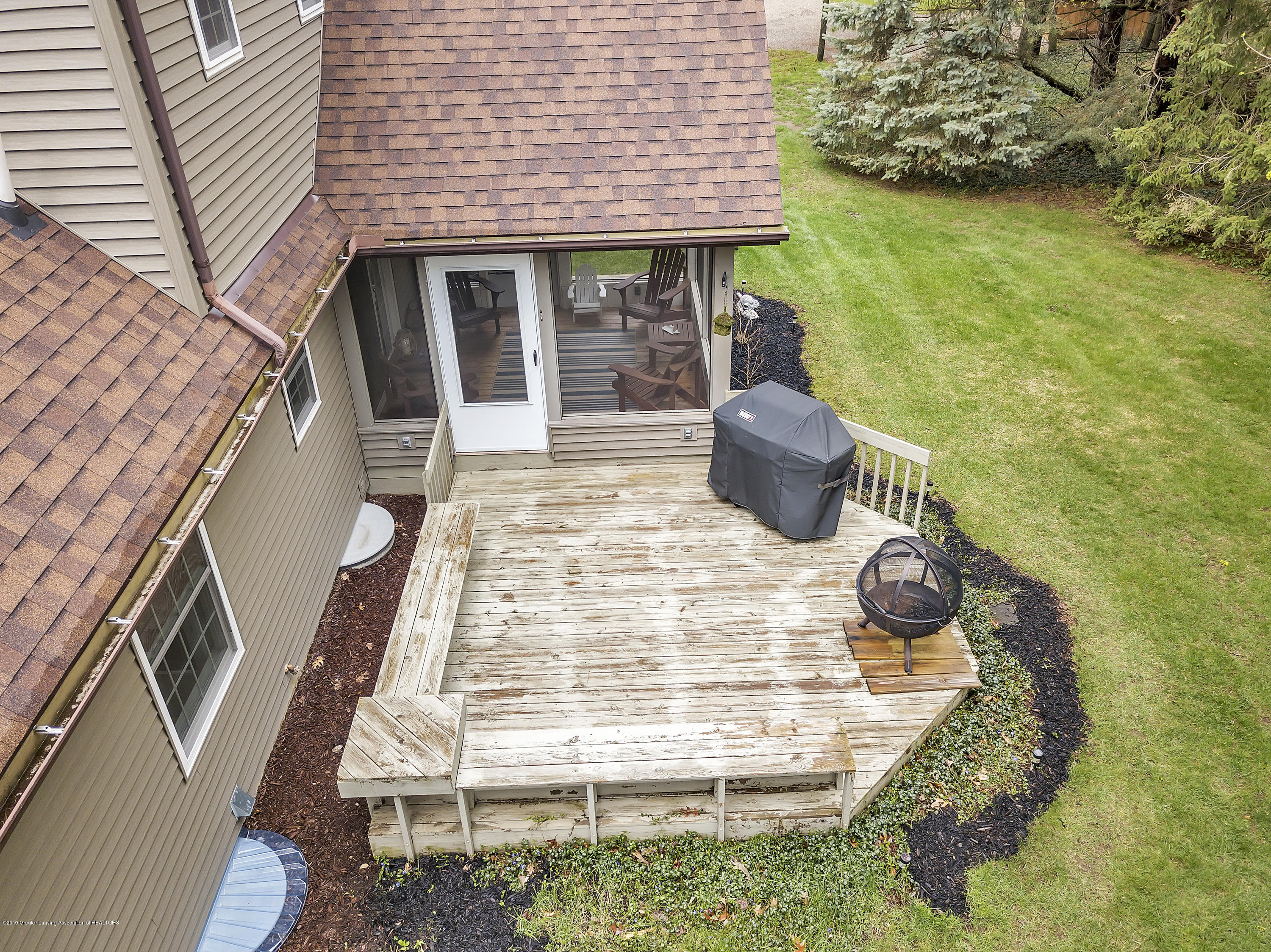 5075 Lake Dr - 5075-Lake-Dr-Owosso-windowstill-48 - 46