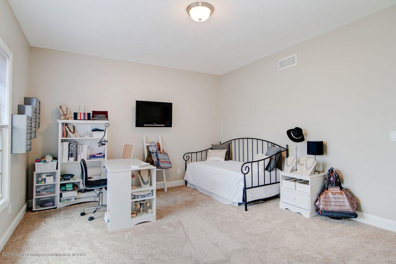 6389 Ridgepond Dr - Bedroom 1 1 - 23