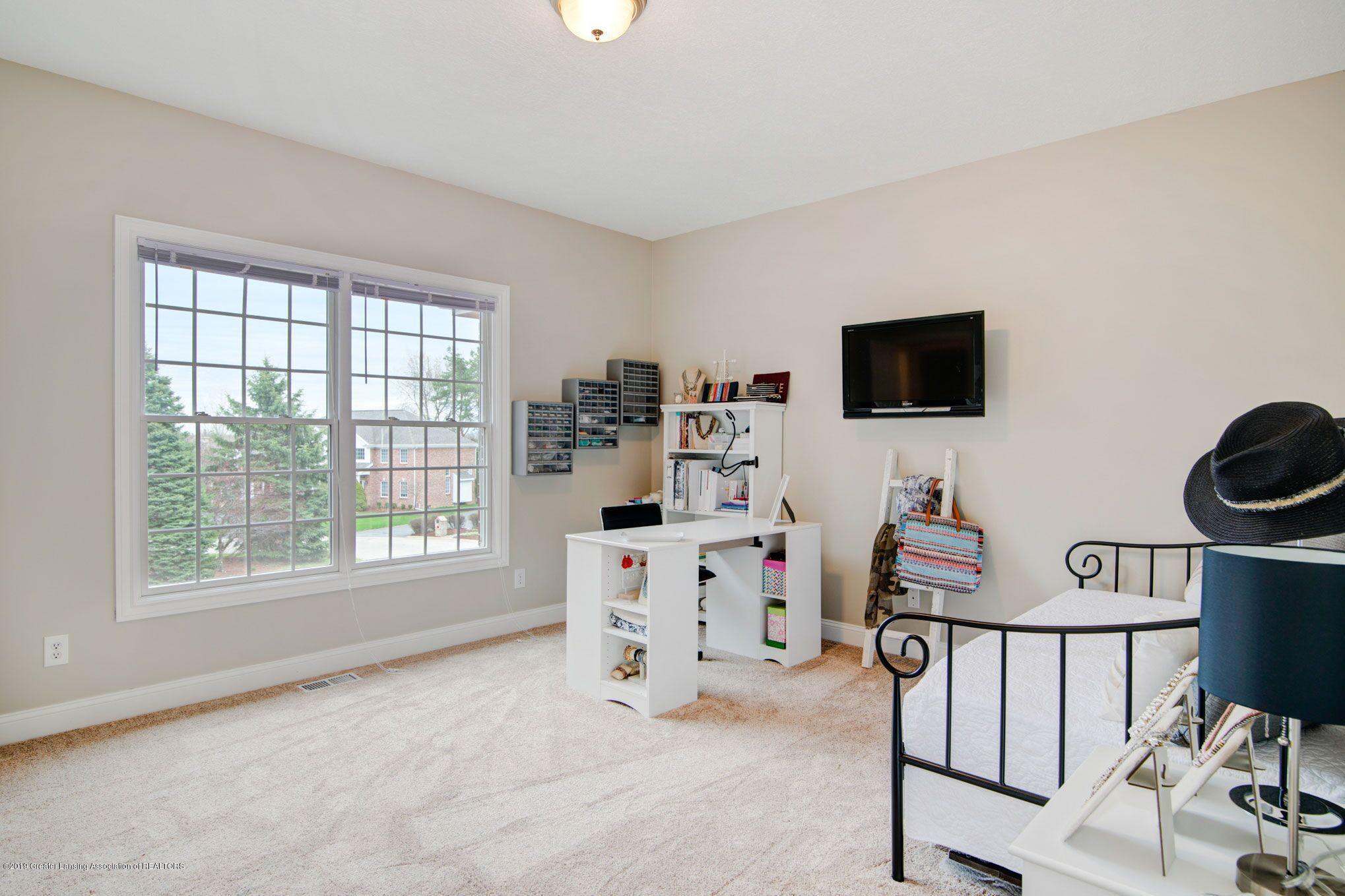 6389 Ridgepond Dr - Bedroom 1 2 - 24