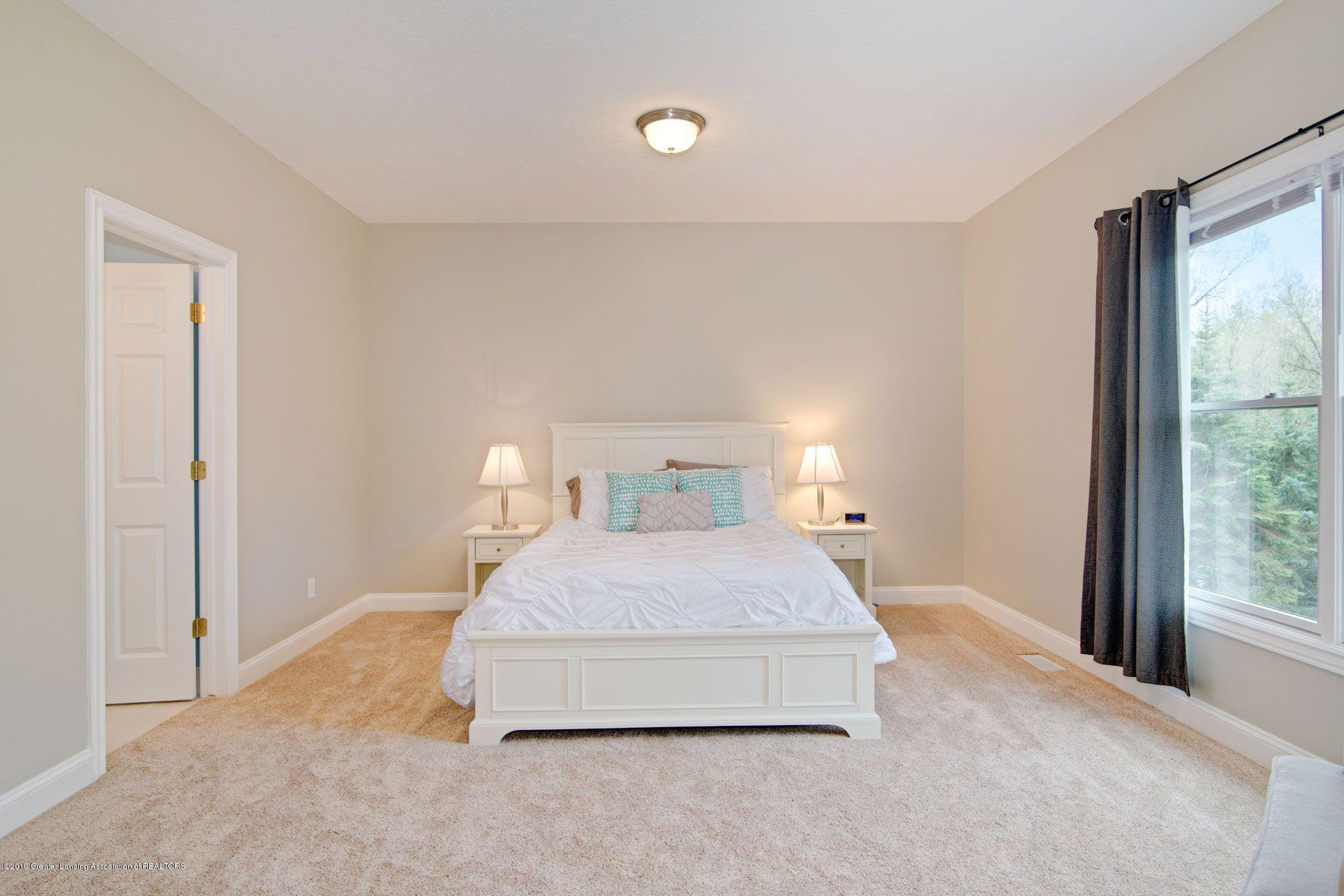 6389 Ridgepond Dr - Bedroom 3 1 - 27