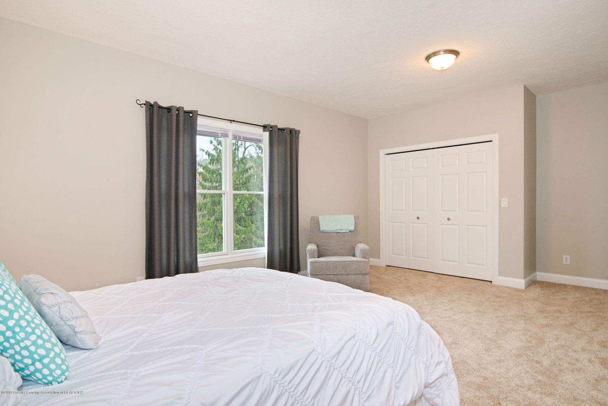 6389 Ridgepond Dr - Bedroom 3 2 - 28