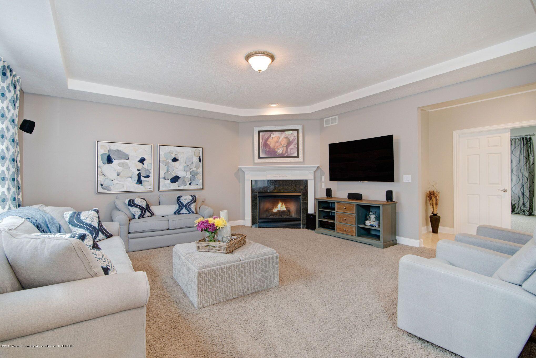 6389 Ridgepond Dr - Living Room 1 - 3