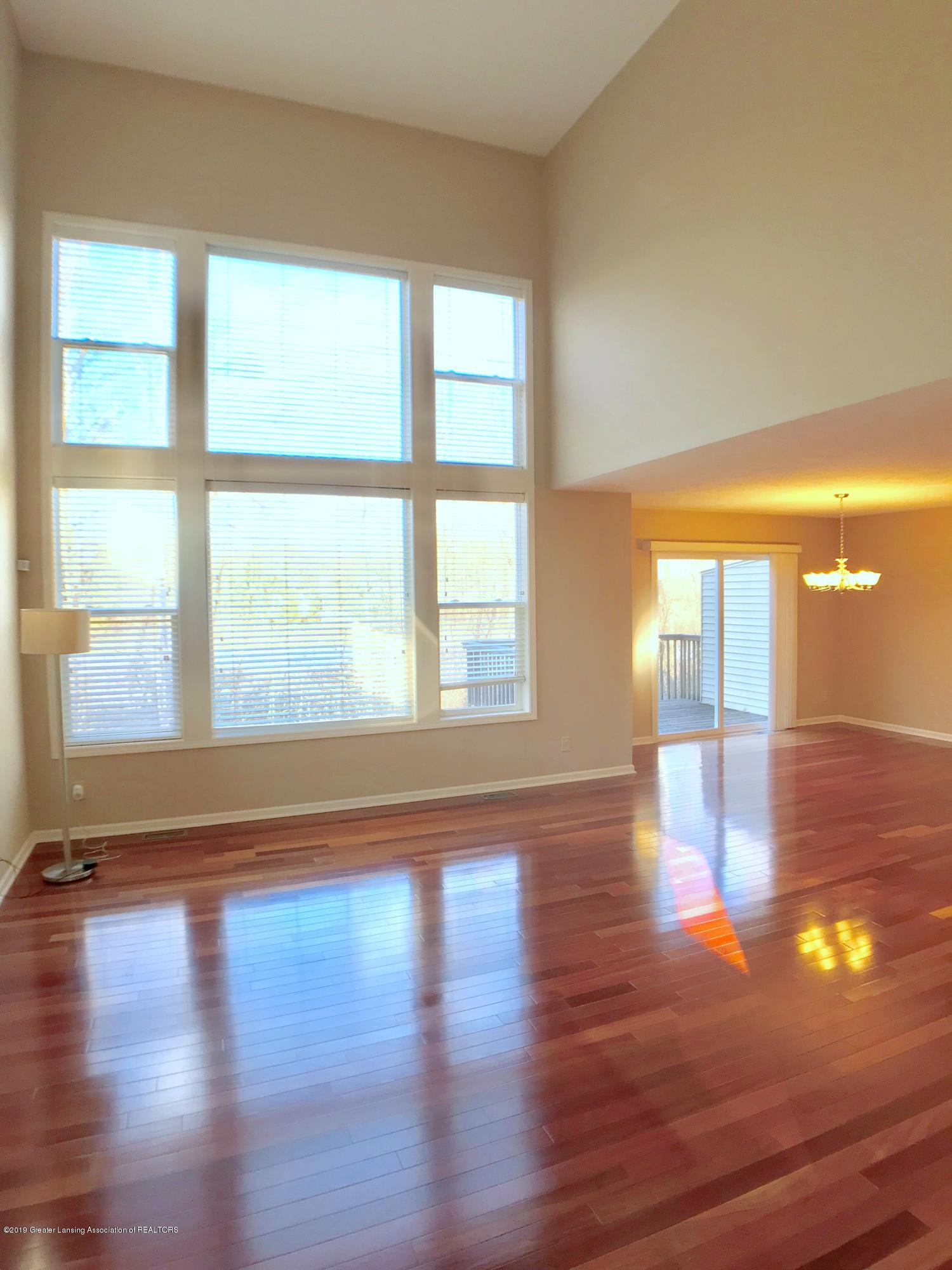 2365 Fieldstone Dr - Living Room - 3