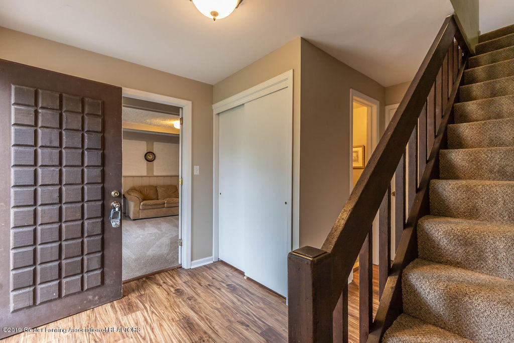 1653 Menominee Dr - menomineefoyer(1of1) - 19