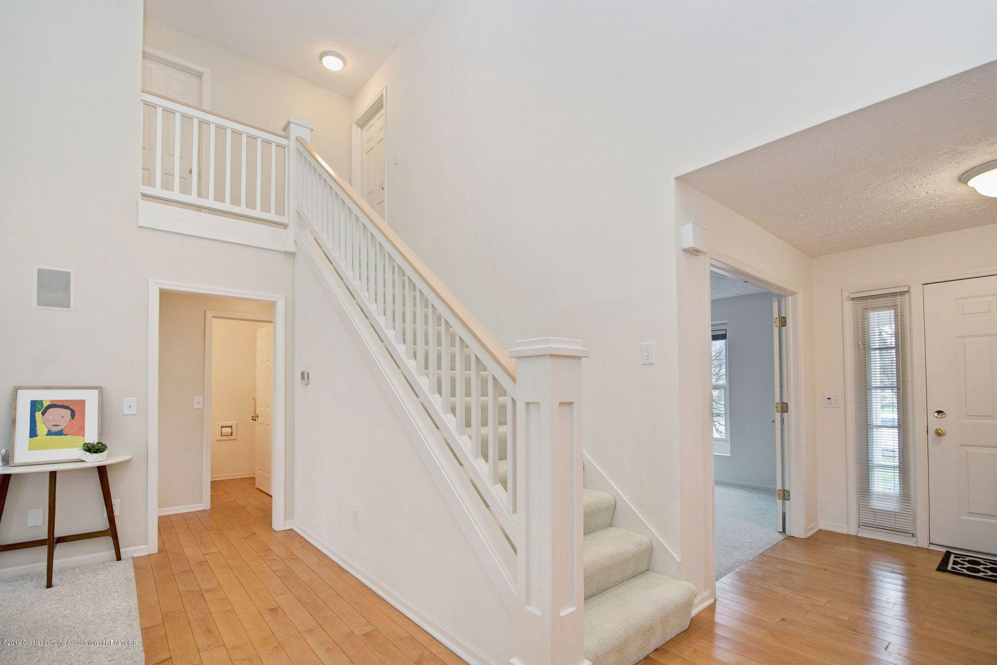 1265 Sweetwood Dr - Foyer staircase - 6