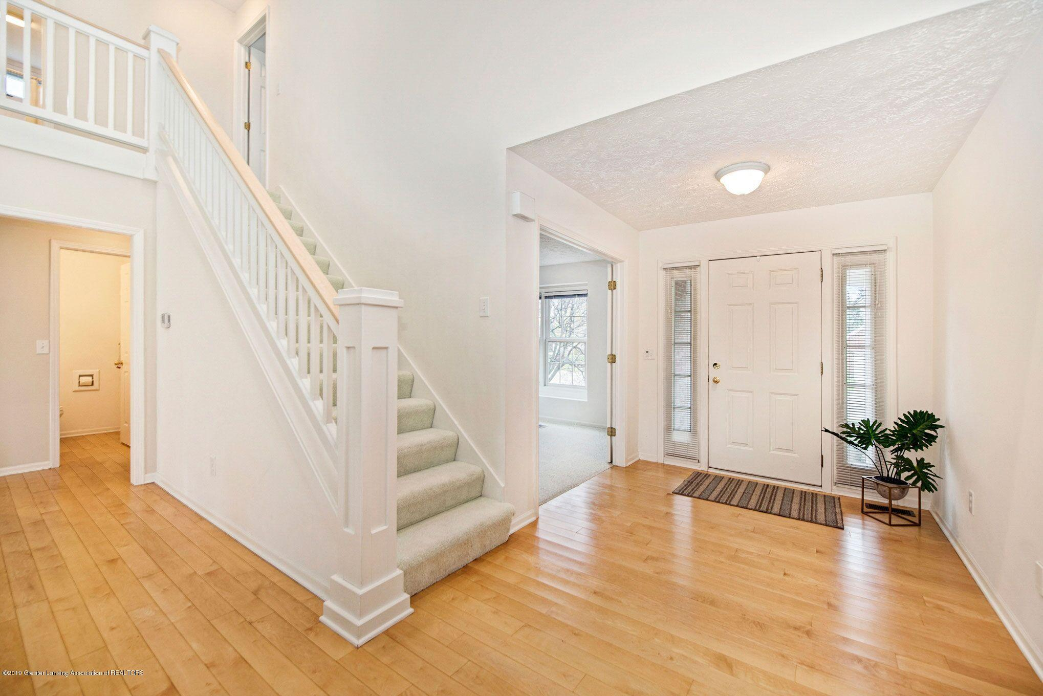 1265 Sweetwood Dr - Foyer - 5