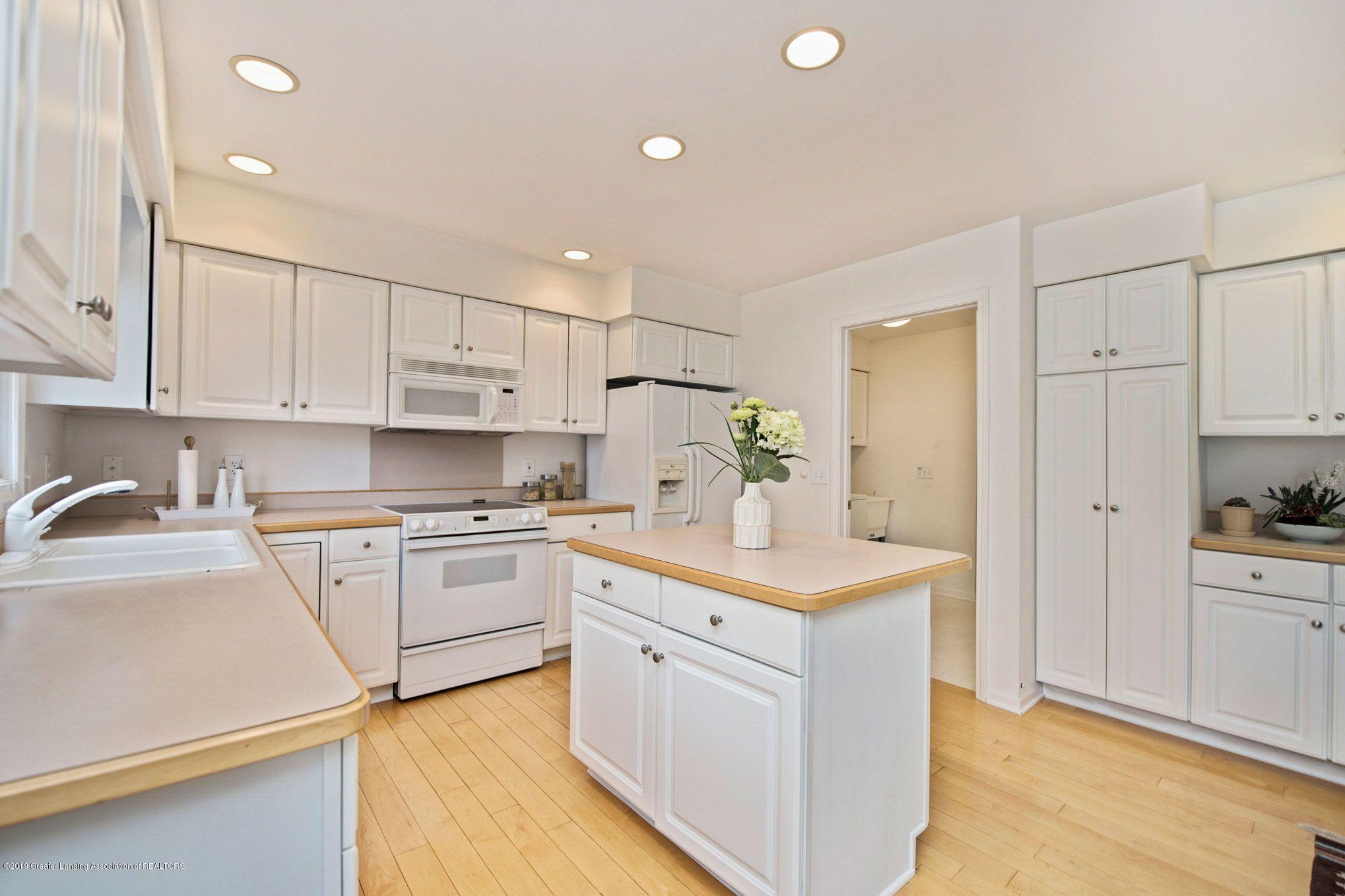 1265 Sweetwood Dr - Kitchen - 11