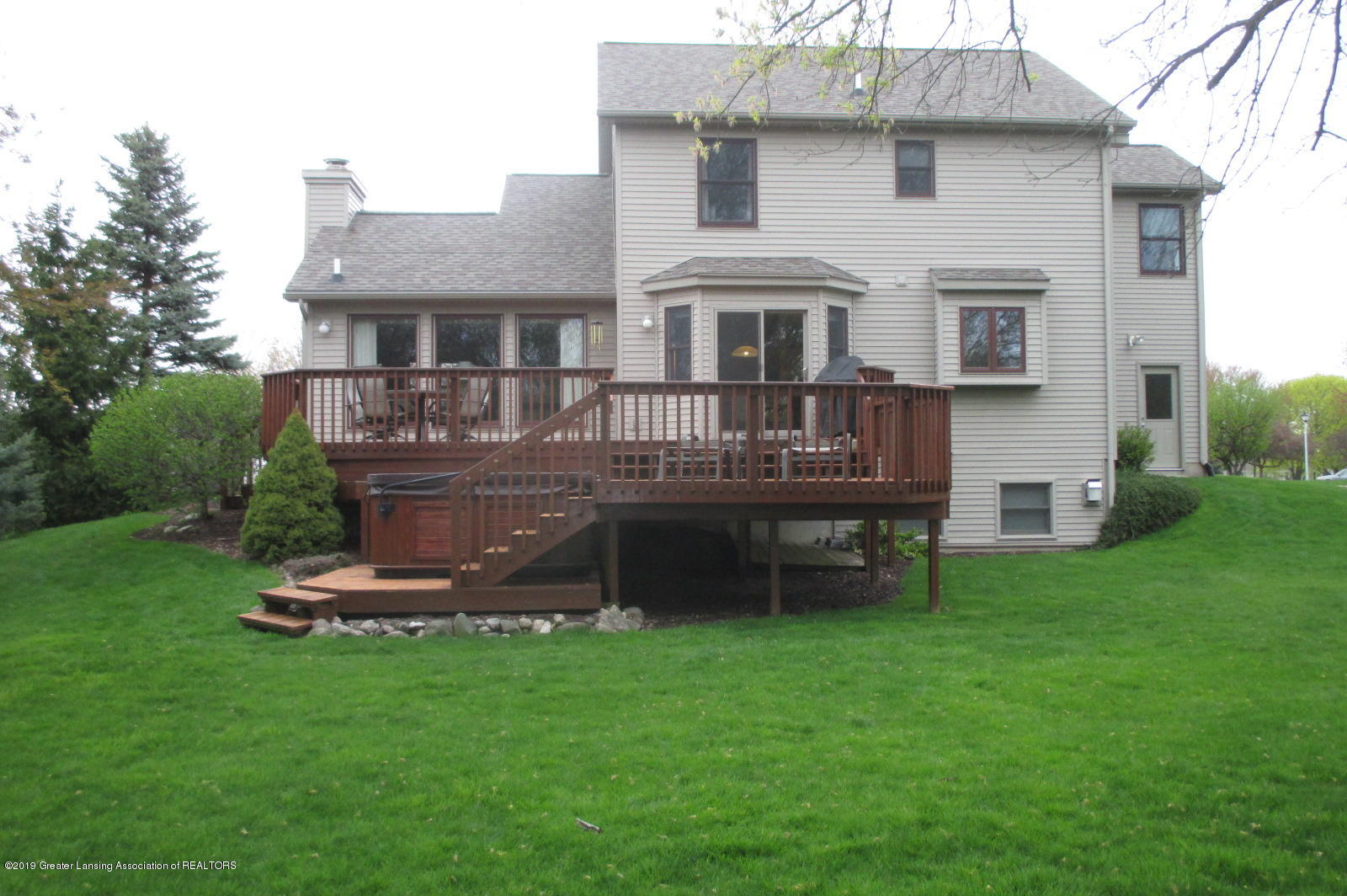 223 Wedgewood Dr - 28 Ext Rear - 28