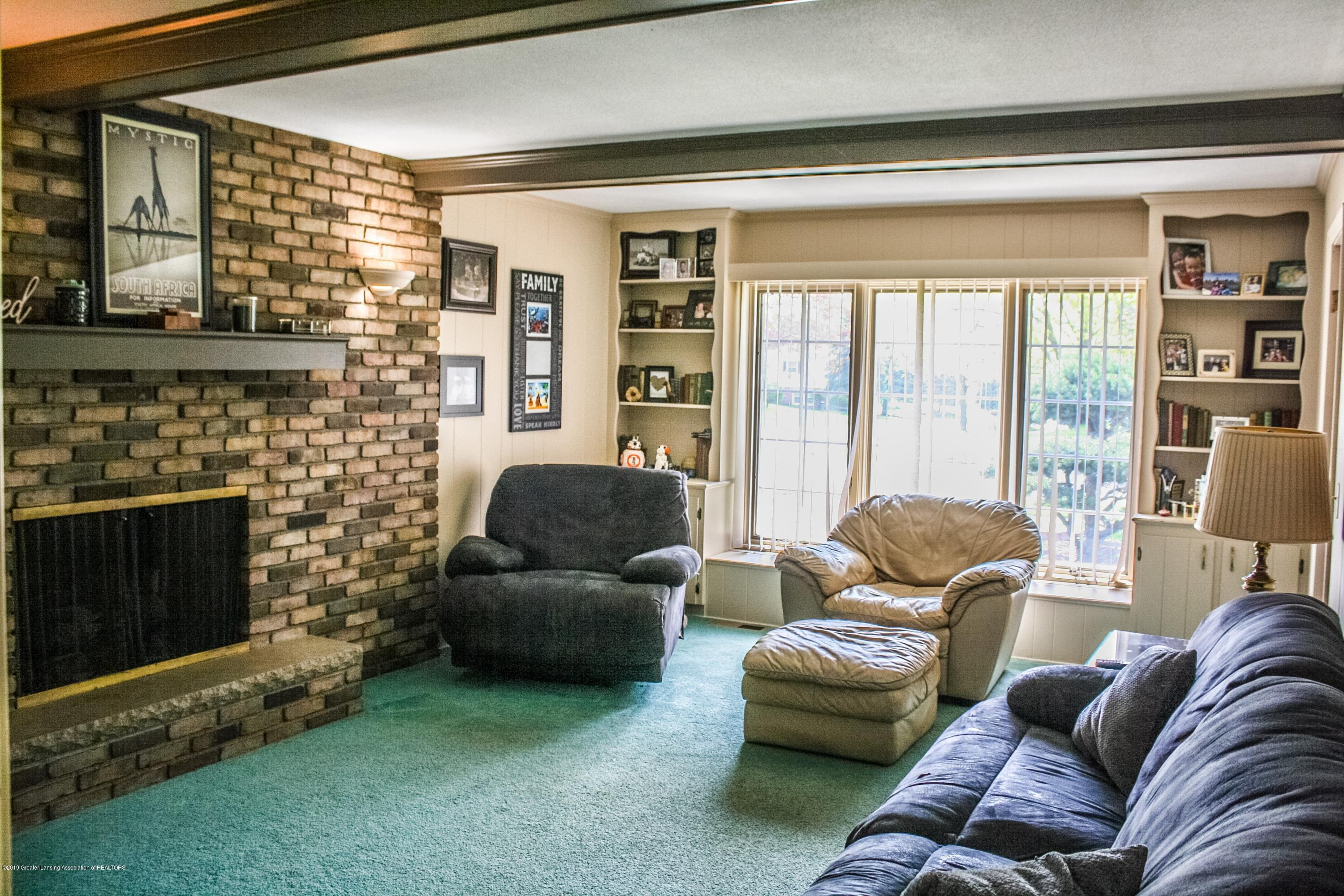 2932 Colony Dr - Family Room - 17