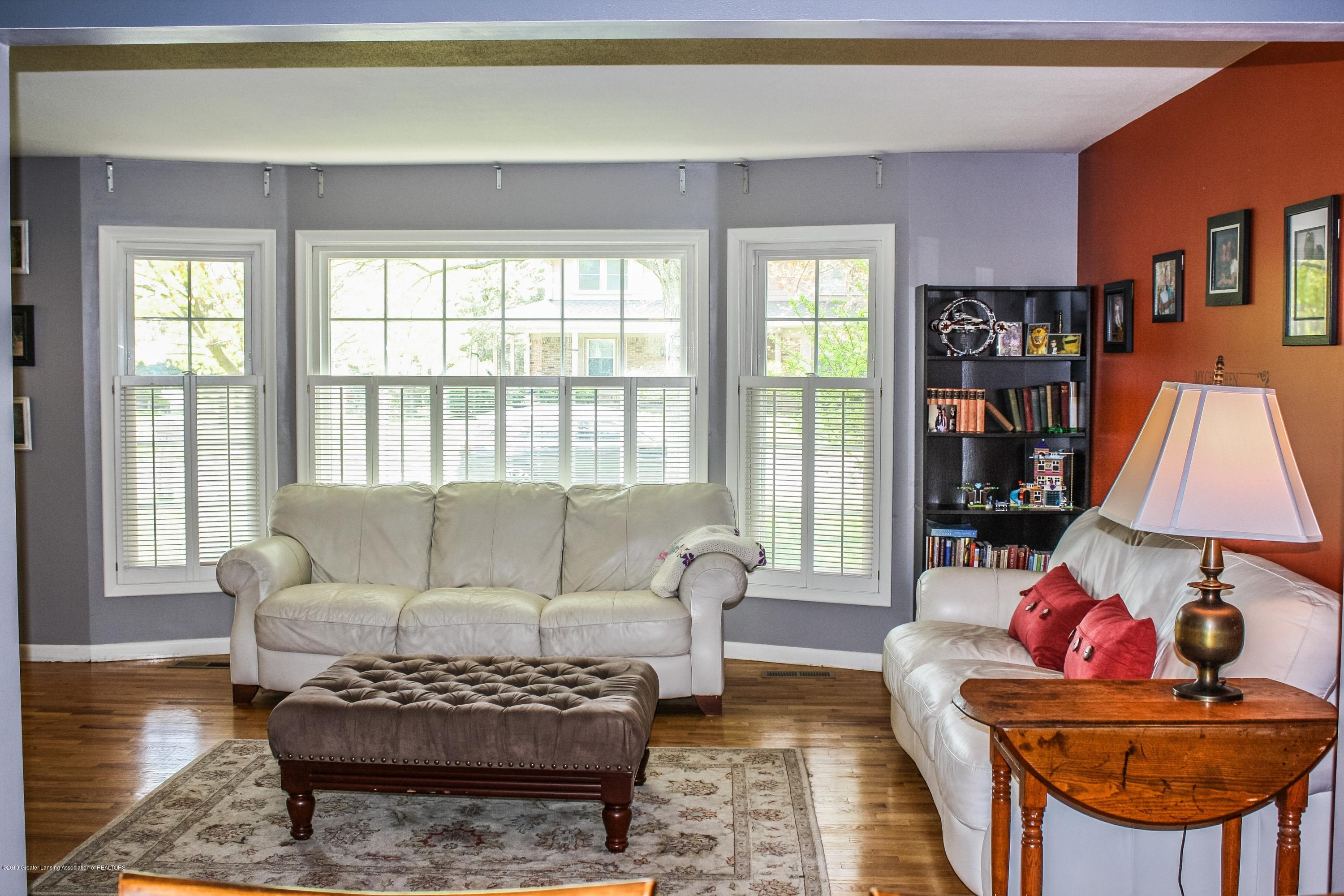 2932 Colony Dr - Living Room - 12