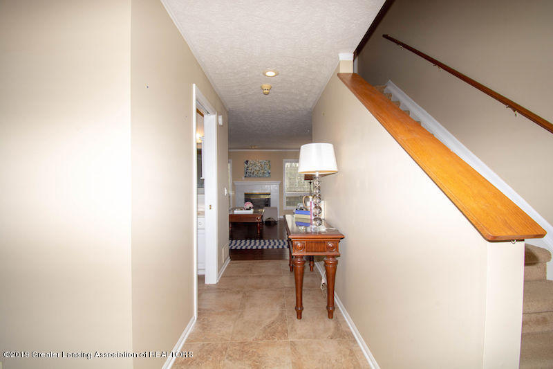 5258 E Hidden Lake Dr - Foyer - 8