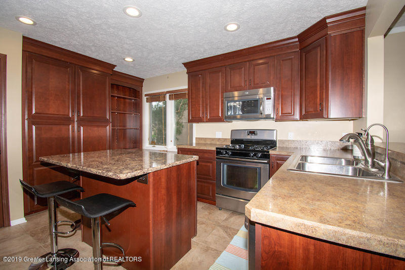 5258 E Hidden Lake Dr - Kitchen Island - 10