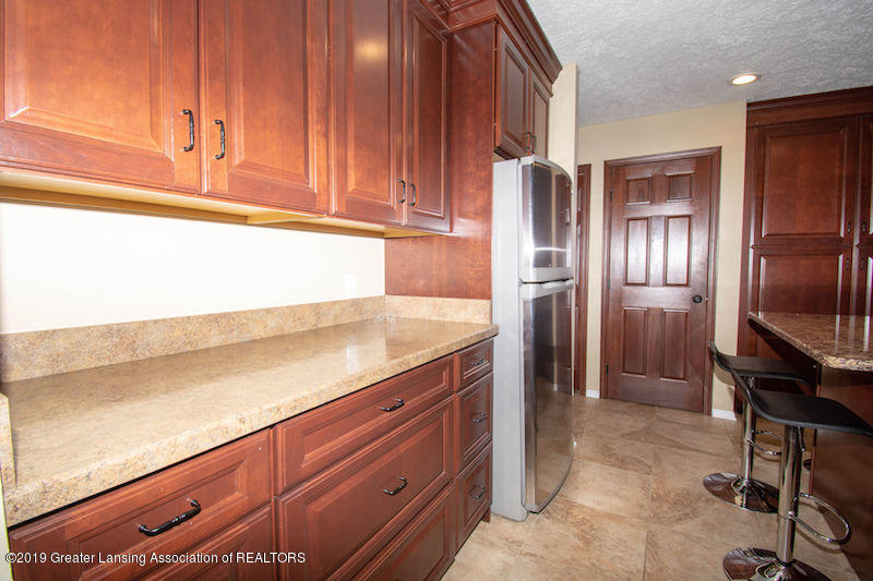 5258 E Hidden Lake Dr - Kitchen - 12