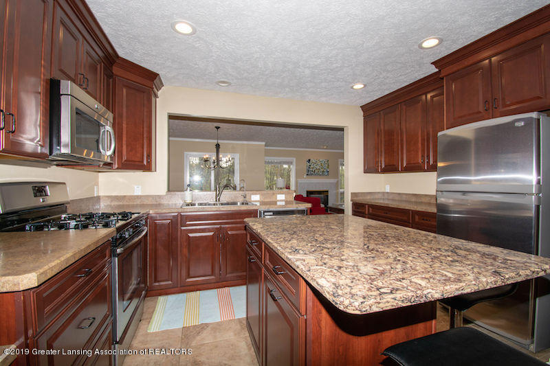 5258 E Hidden Lake Dr - Kitchen - 13