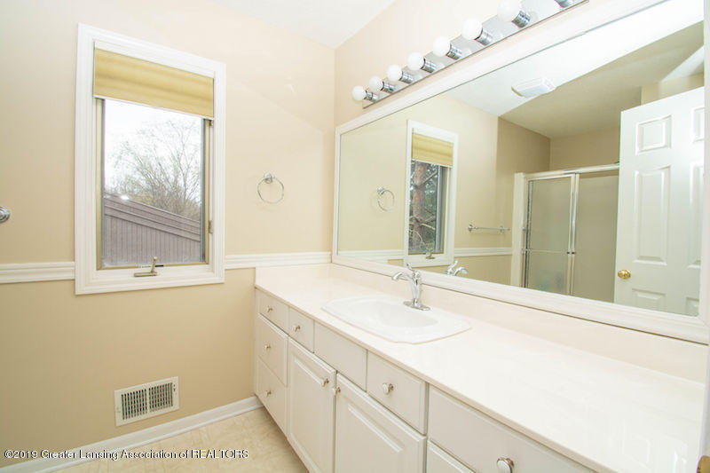 5258 E Hidden Lake Dr - Master Bath - 23