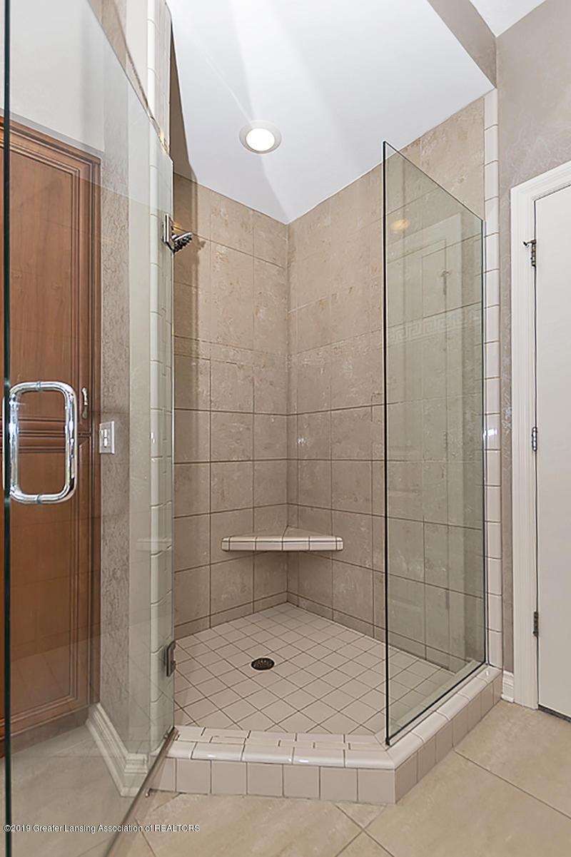 6010 Sleepy Hollow Ln - Master Bath - 32