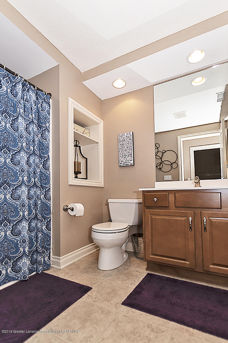 6010 Sleepy Hollow Ln - Bathroom - 28