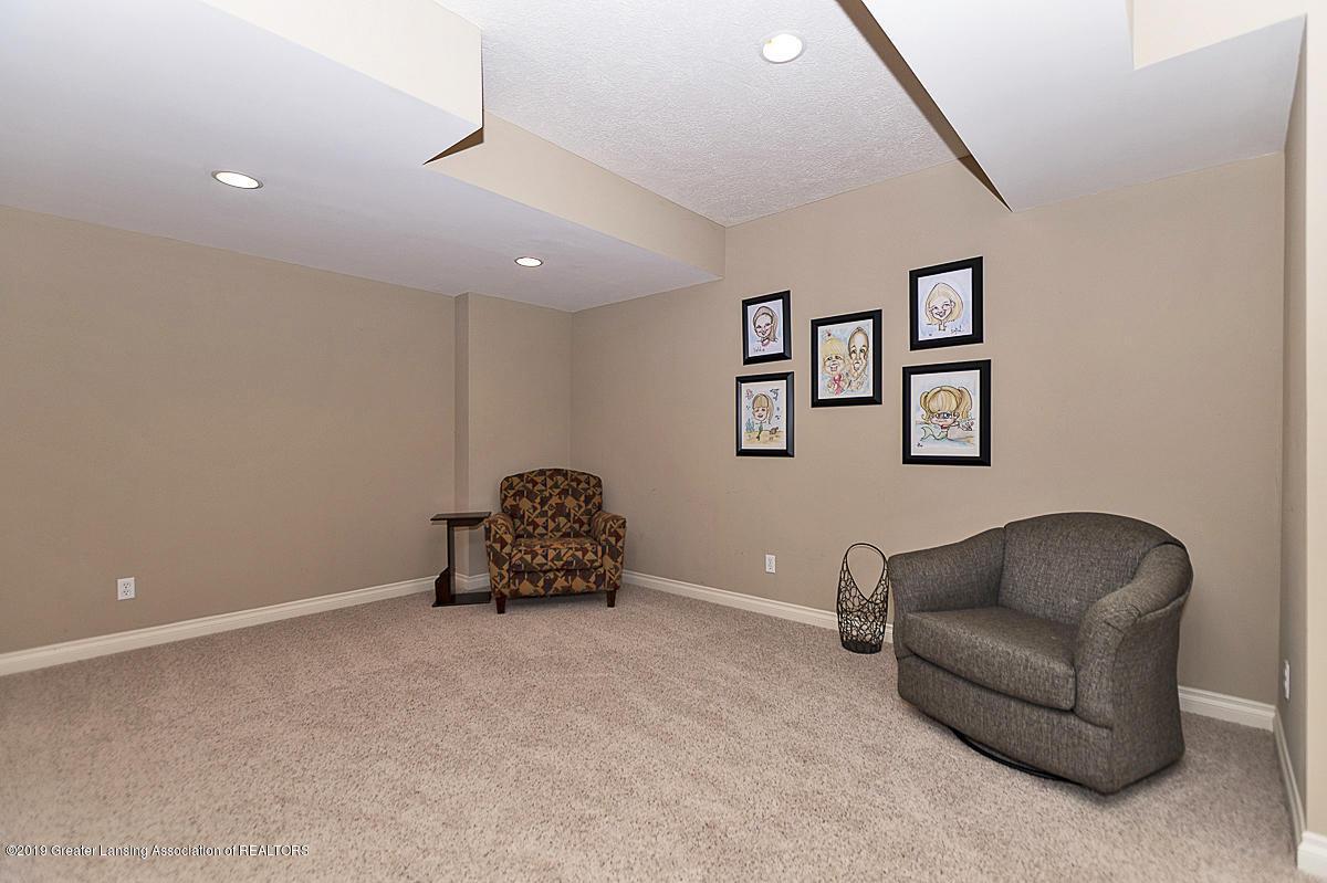 6010 Sleepy Hollow Ln - Family Room - 43