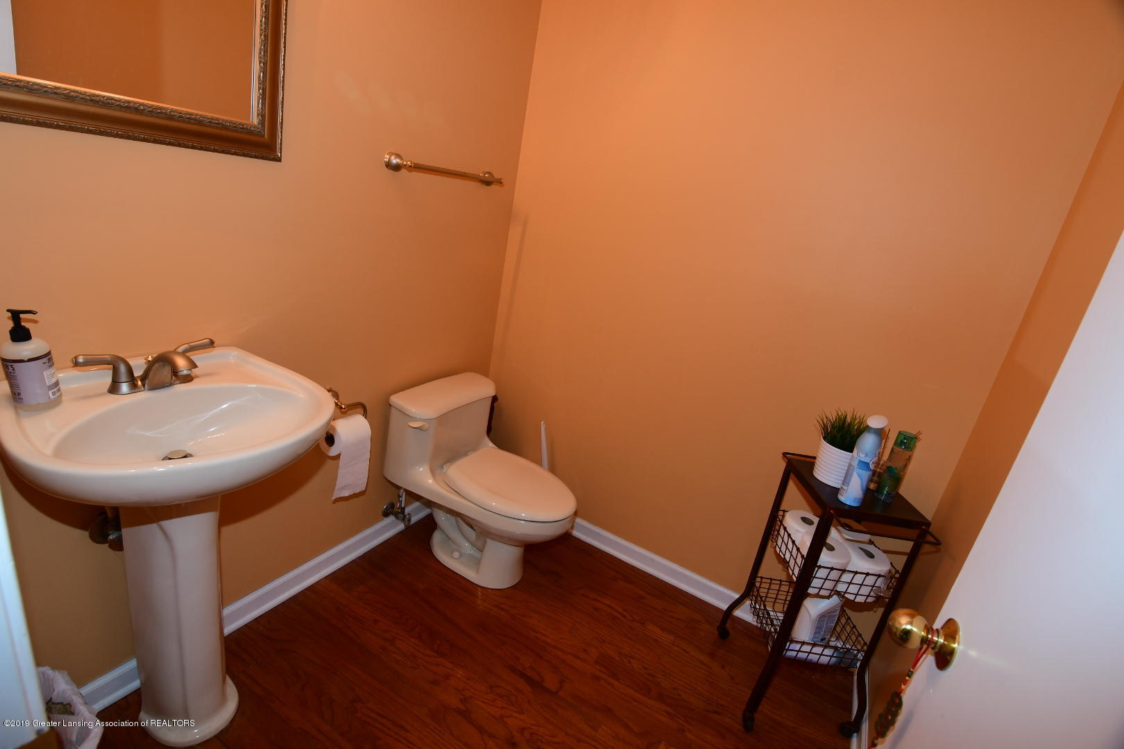 2364 Emerald Forest Cir - Main Level Half Bath - 17