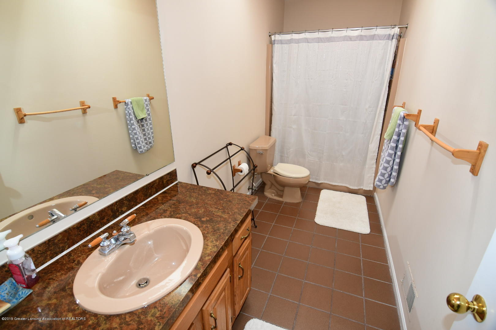 2364 Emerald Forest Cir - Lower Level Full Bath - 24
