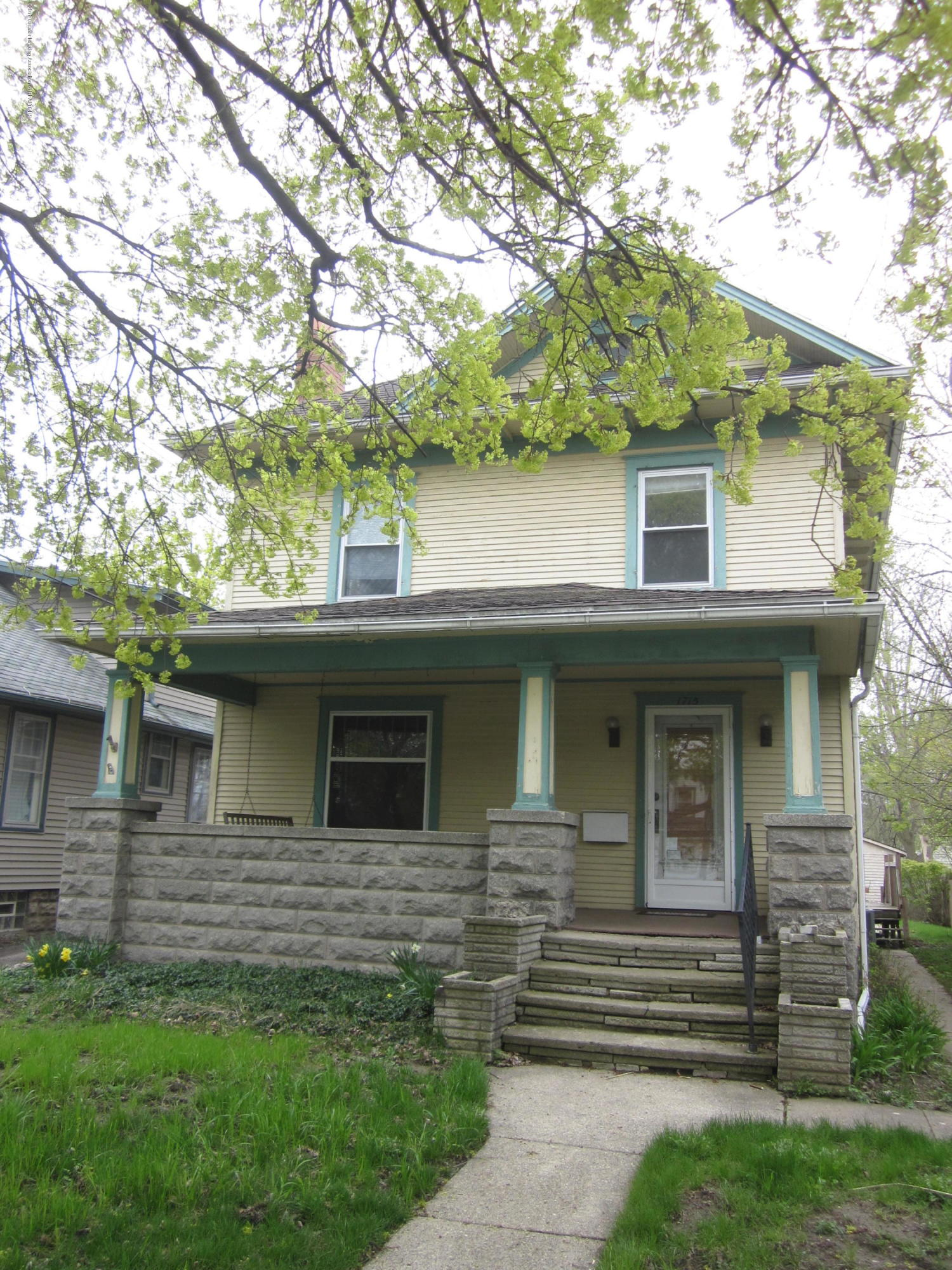 1715 S Genesee Dr - Front - 1
