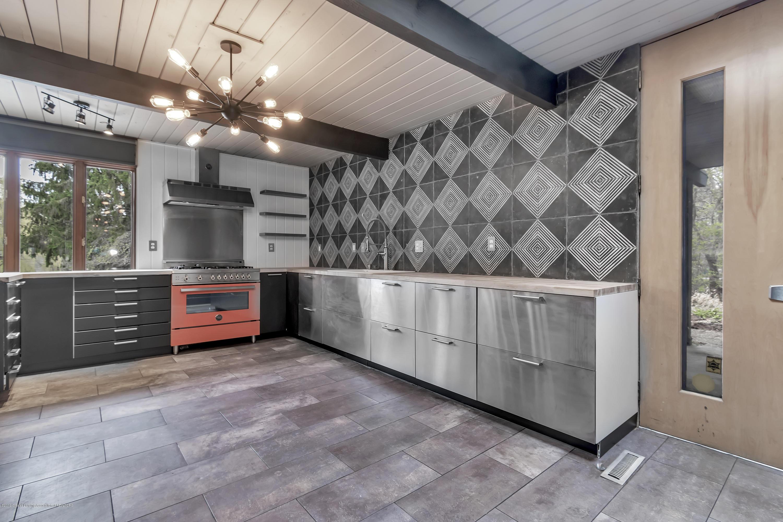 4702 Huron Hill Dr - Kitchen - 16