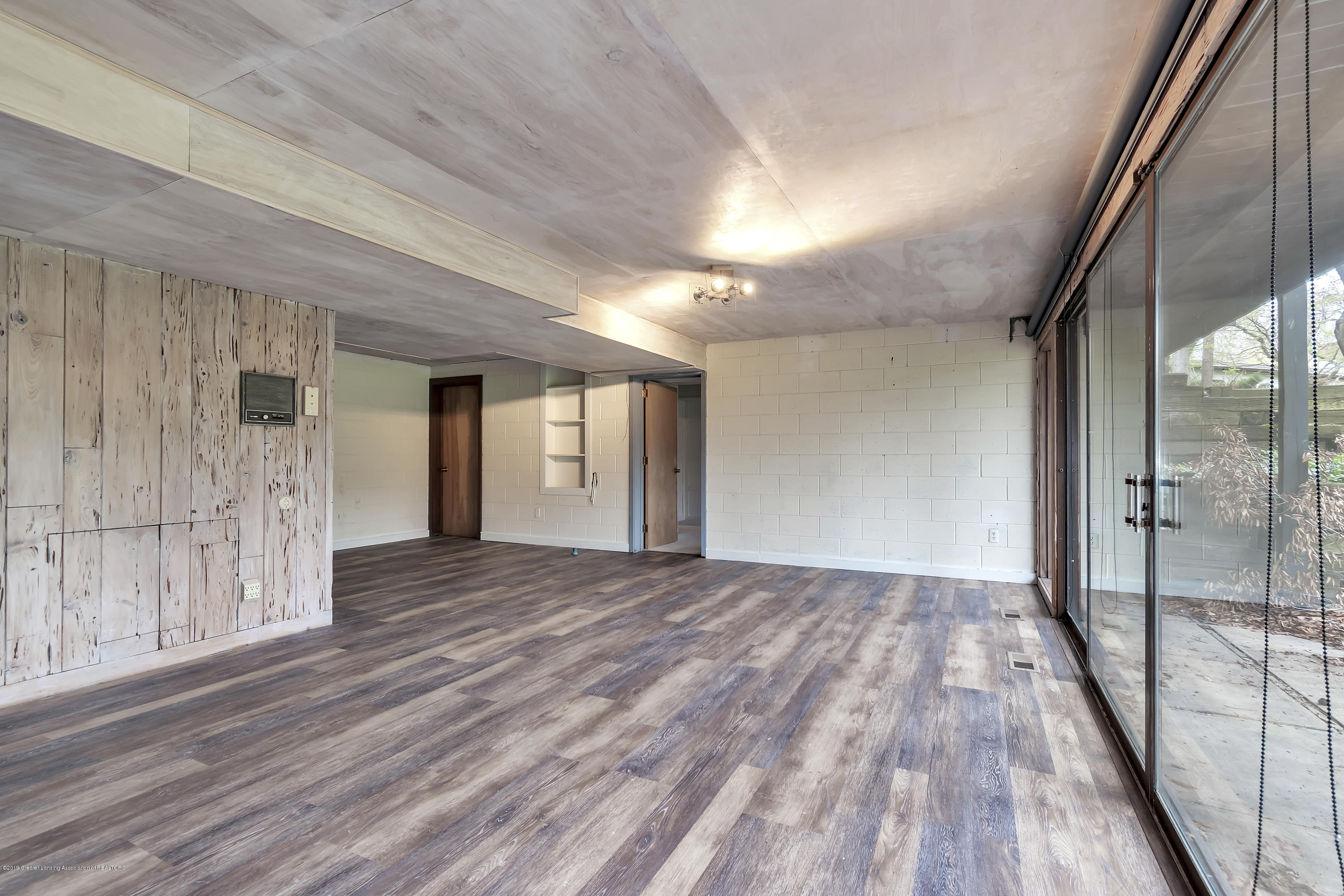 4702 Huron Hill Dr - Family Room - 33