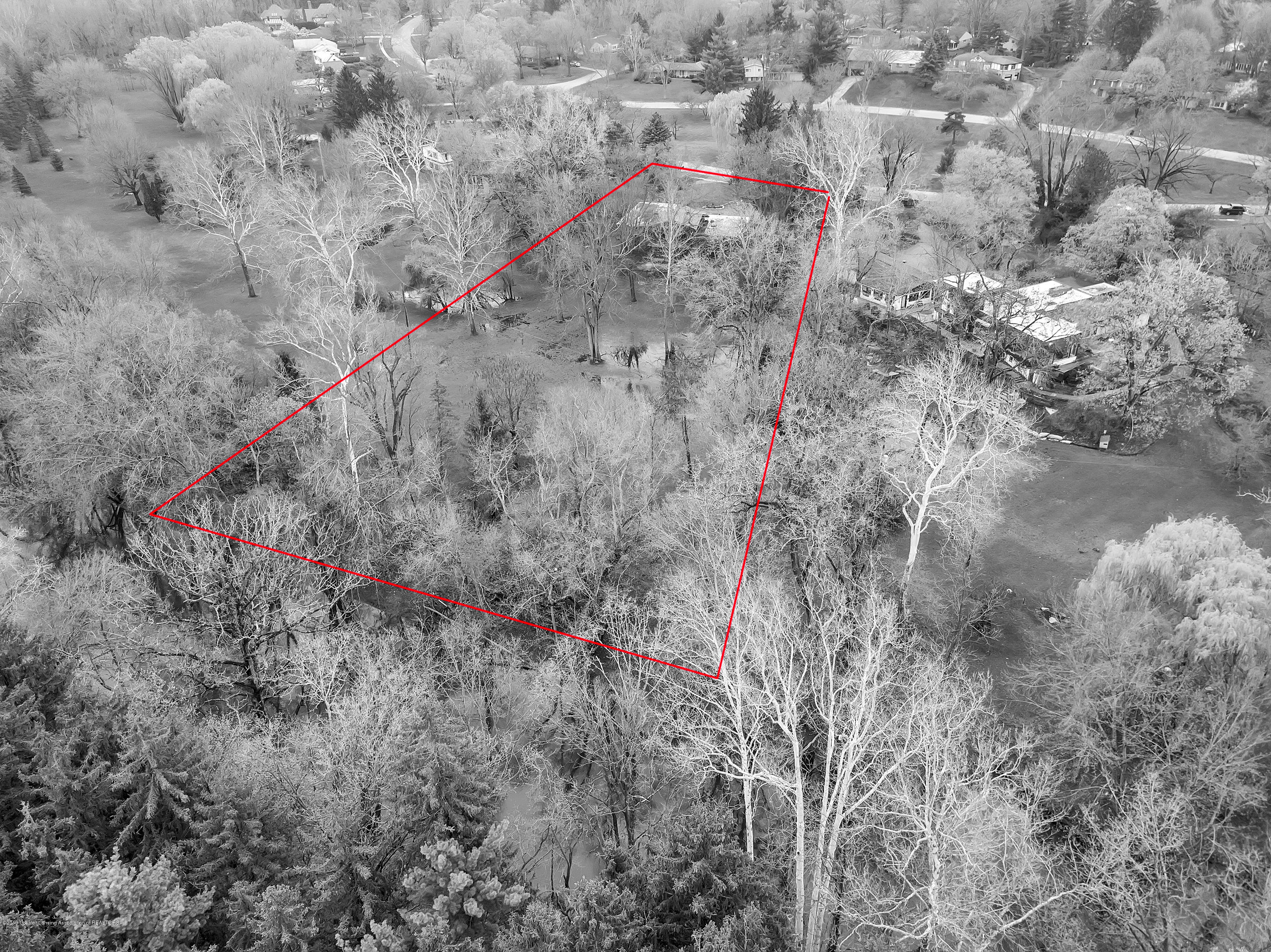 4702 Huron Hill Dr - Approximate lot lines - 50