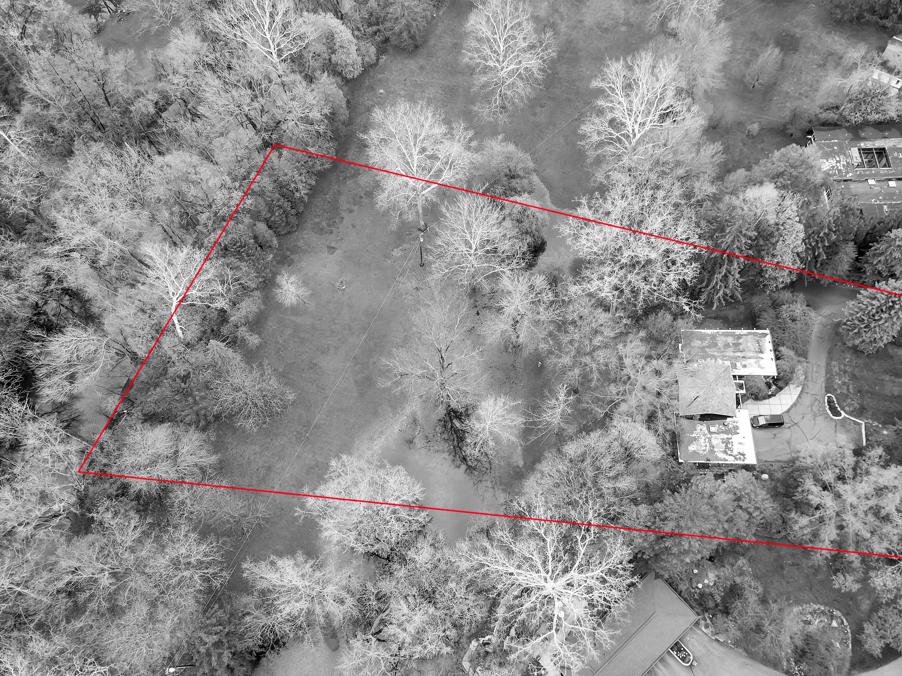 4702 Huron Hill Dr - Approximate lot lines - 51