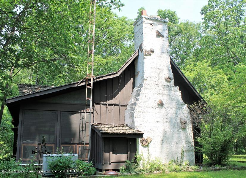 12895 Eaton Rapids Rd - Chimney - 4