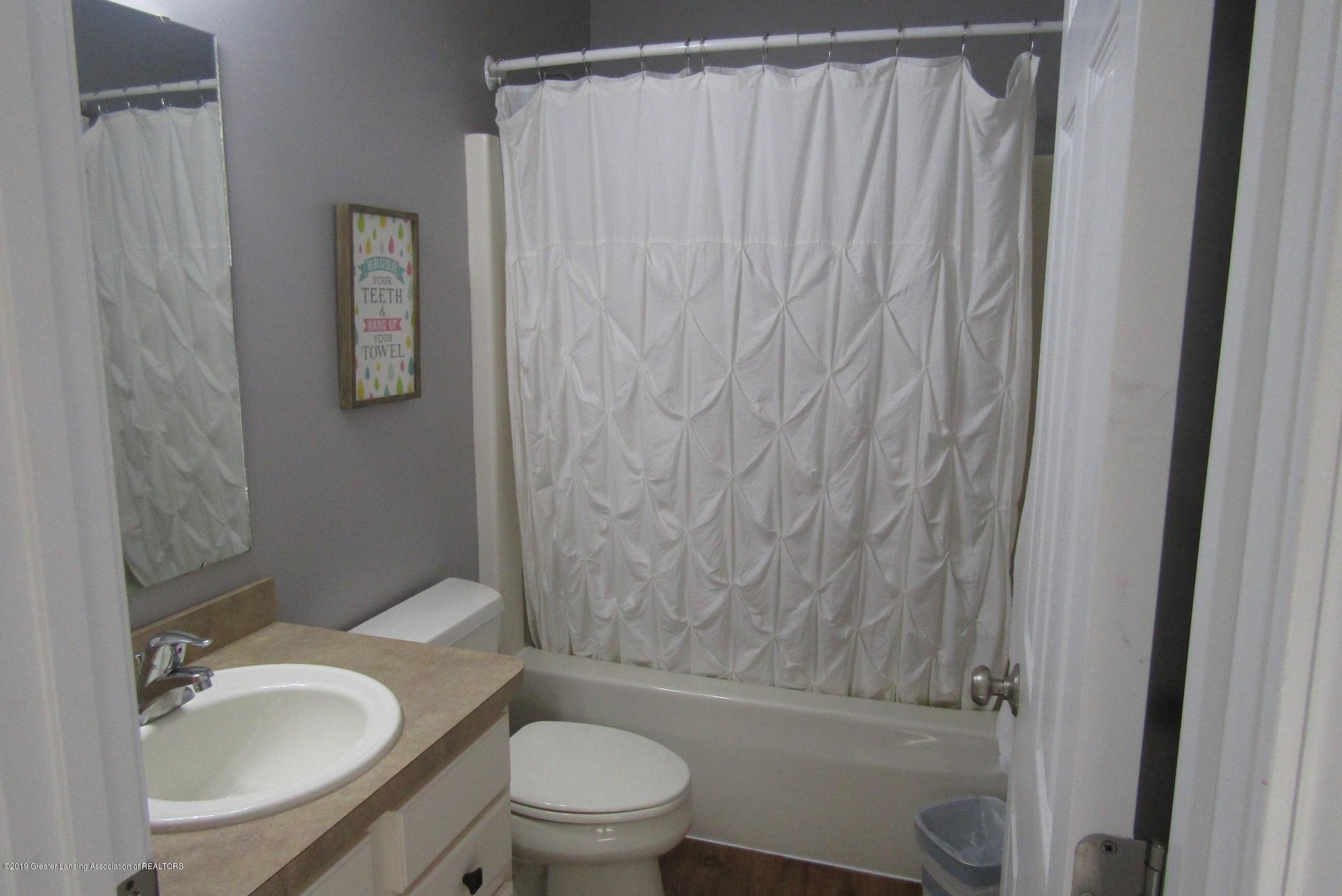 1868 Mockingbird Dr - Bathroom - 27