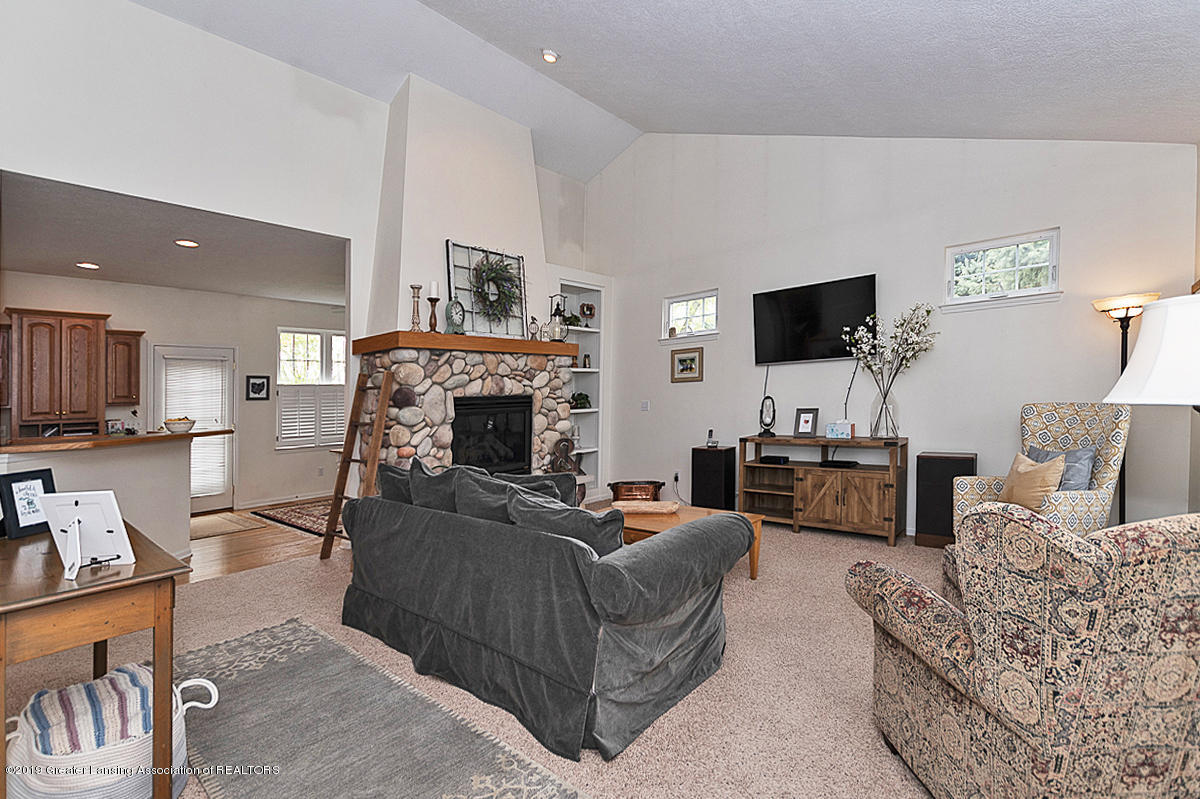 11244 Jerryson Dr - Living Room - 4