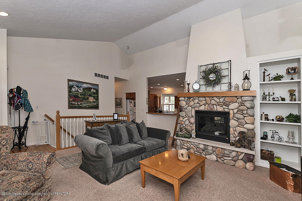 11244 Jerryson Dr - Living Room - 3