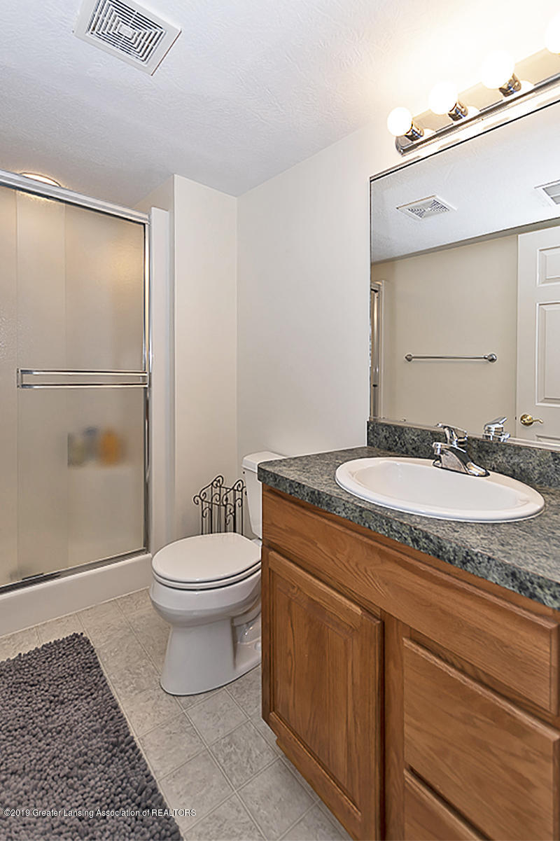 11244 Jerryson Dr - 2nd Full Bath - 21