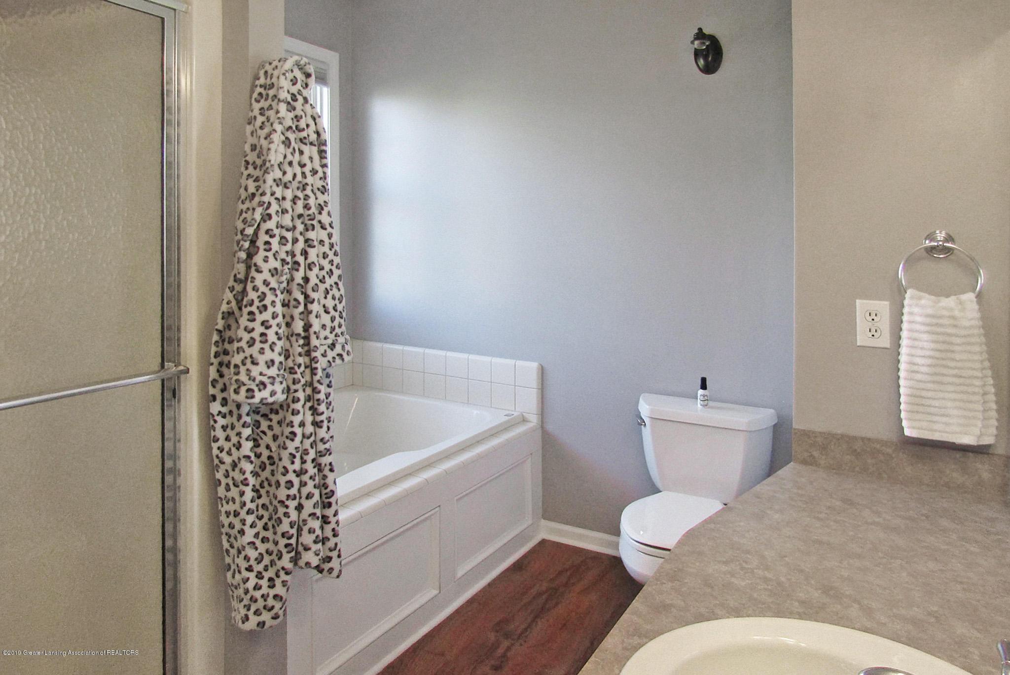 1868 Mockingbird Dr - Bathroom - 30
