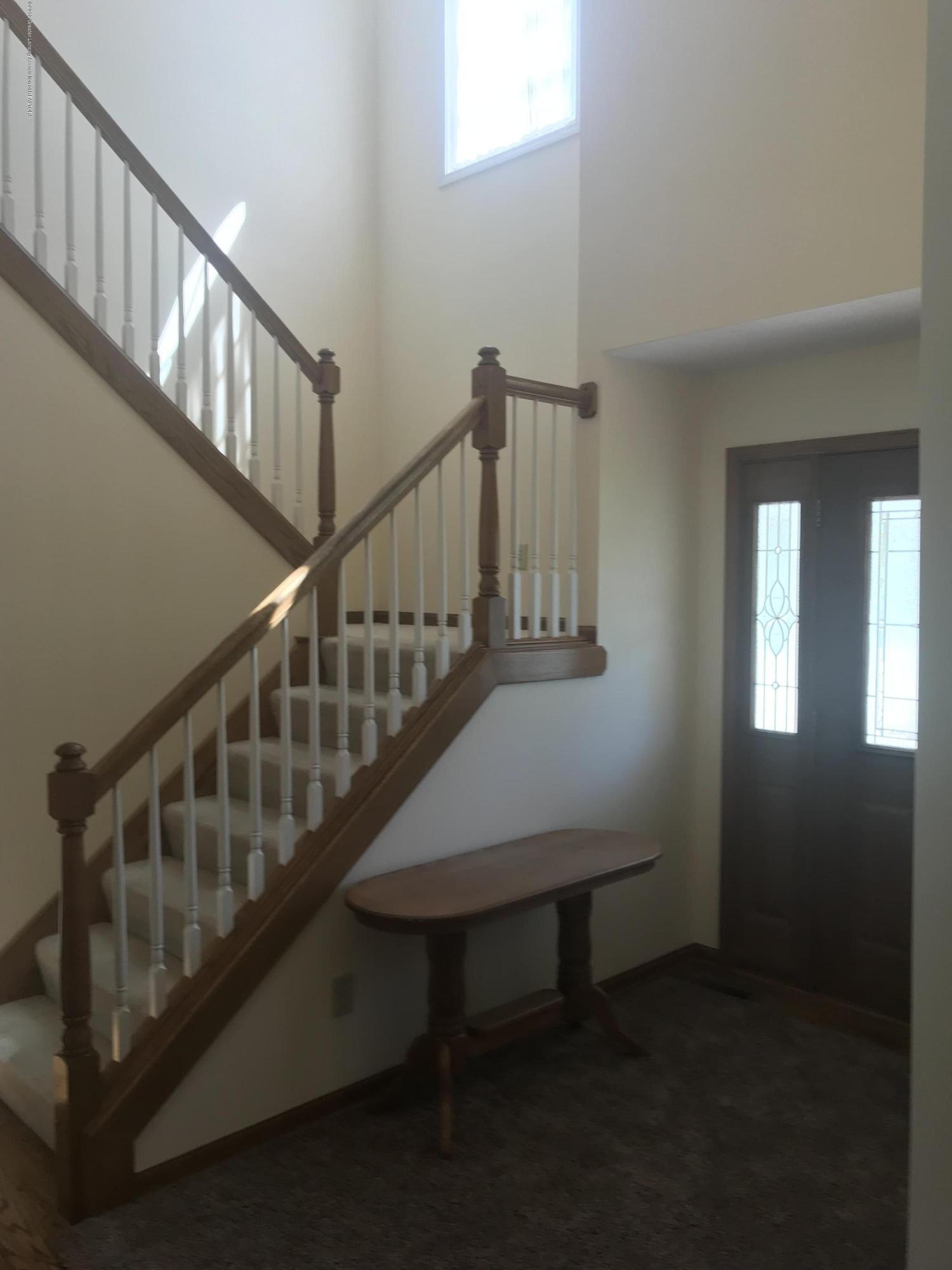 621 N Cedar Run Ct - cedar front hall - 4
