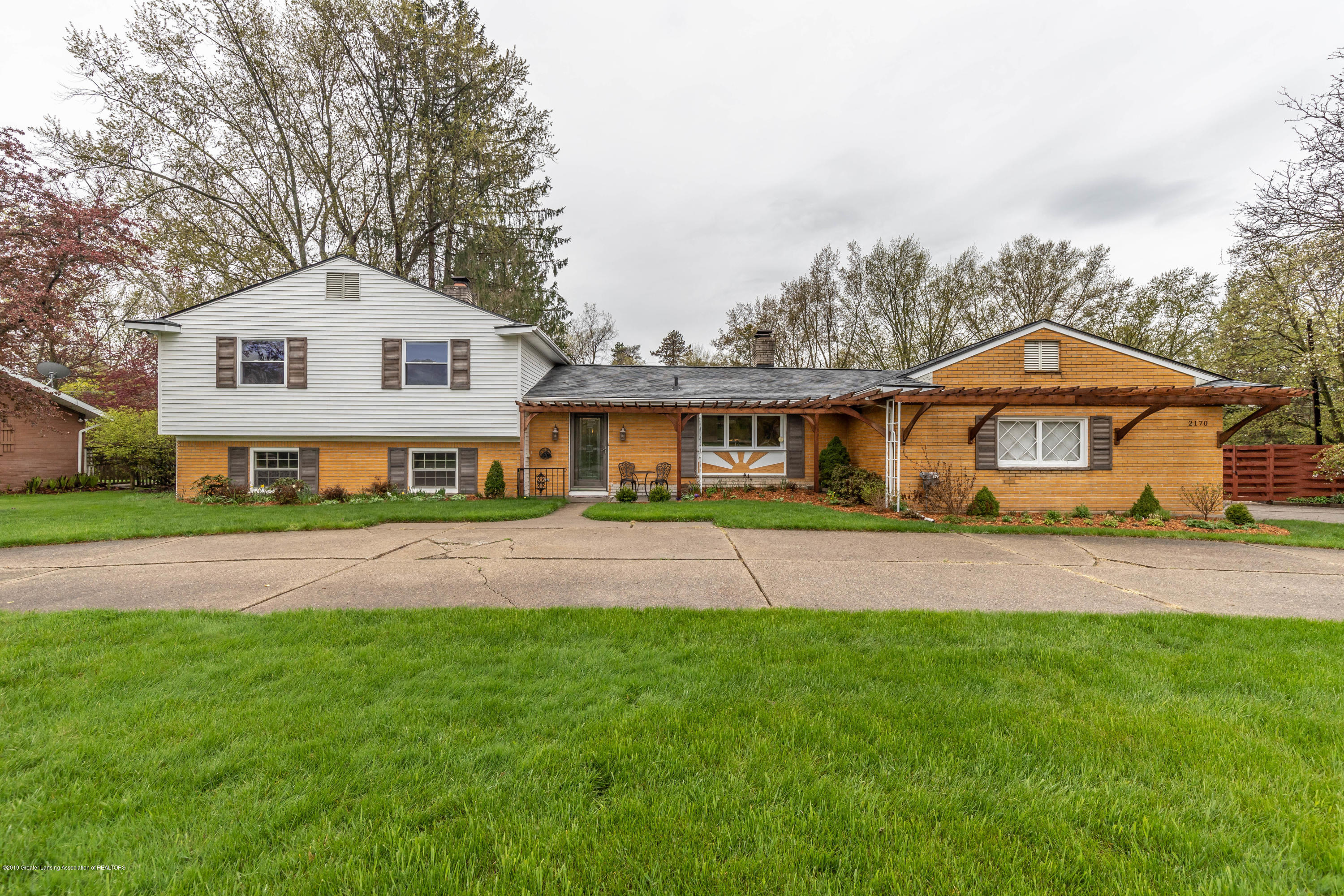 2170 Lagoon Dr - Front - 1