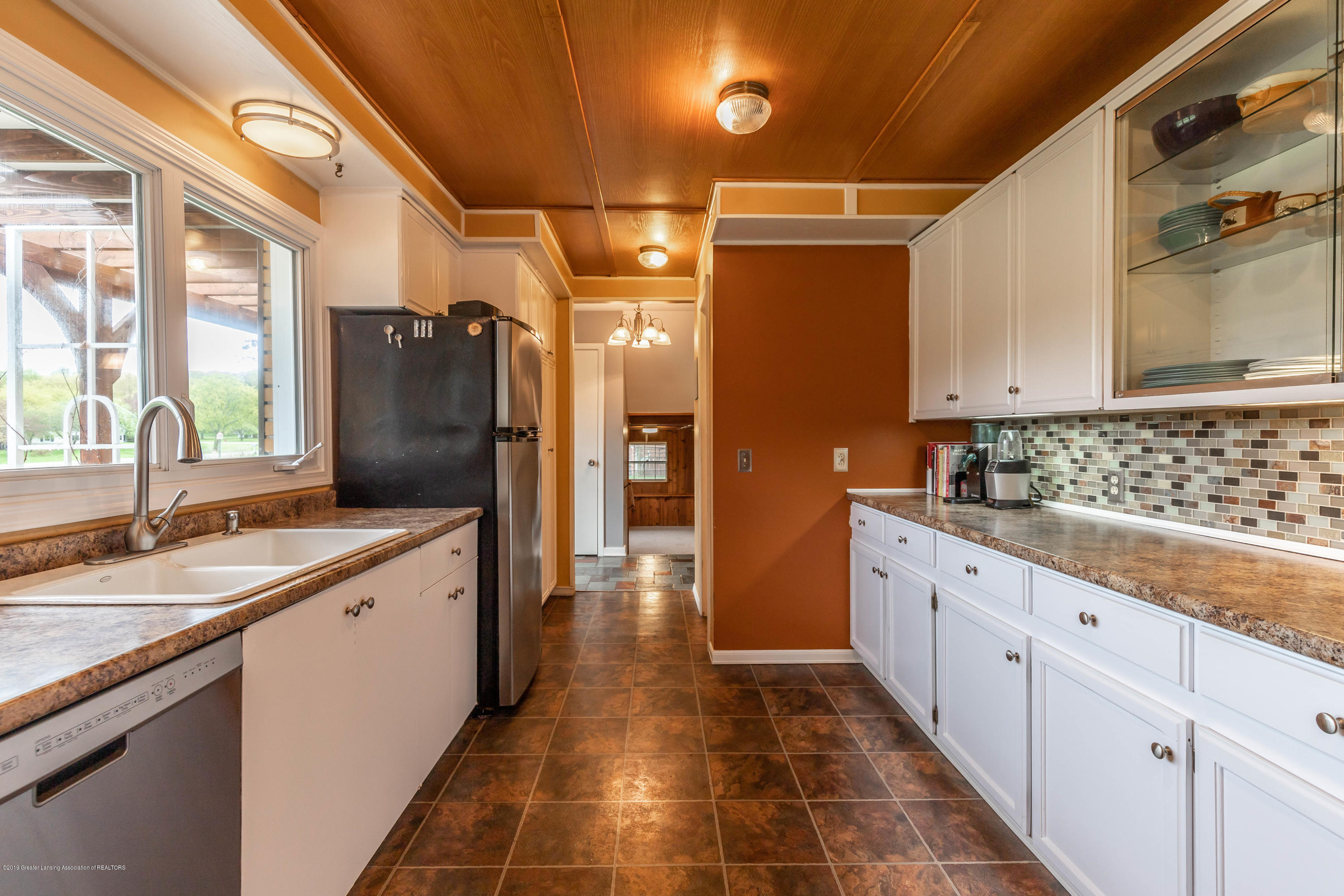 2170 Lagoon Dr - Kitchen - 13