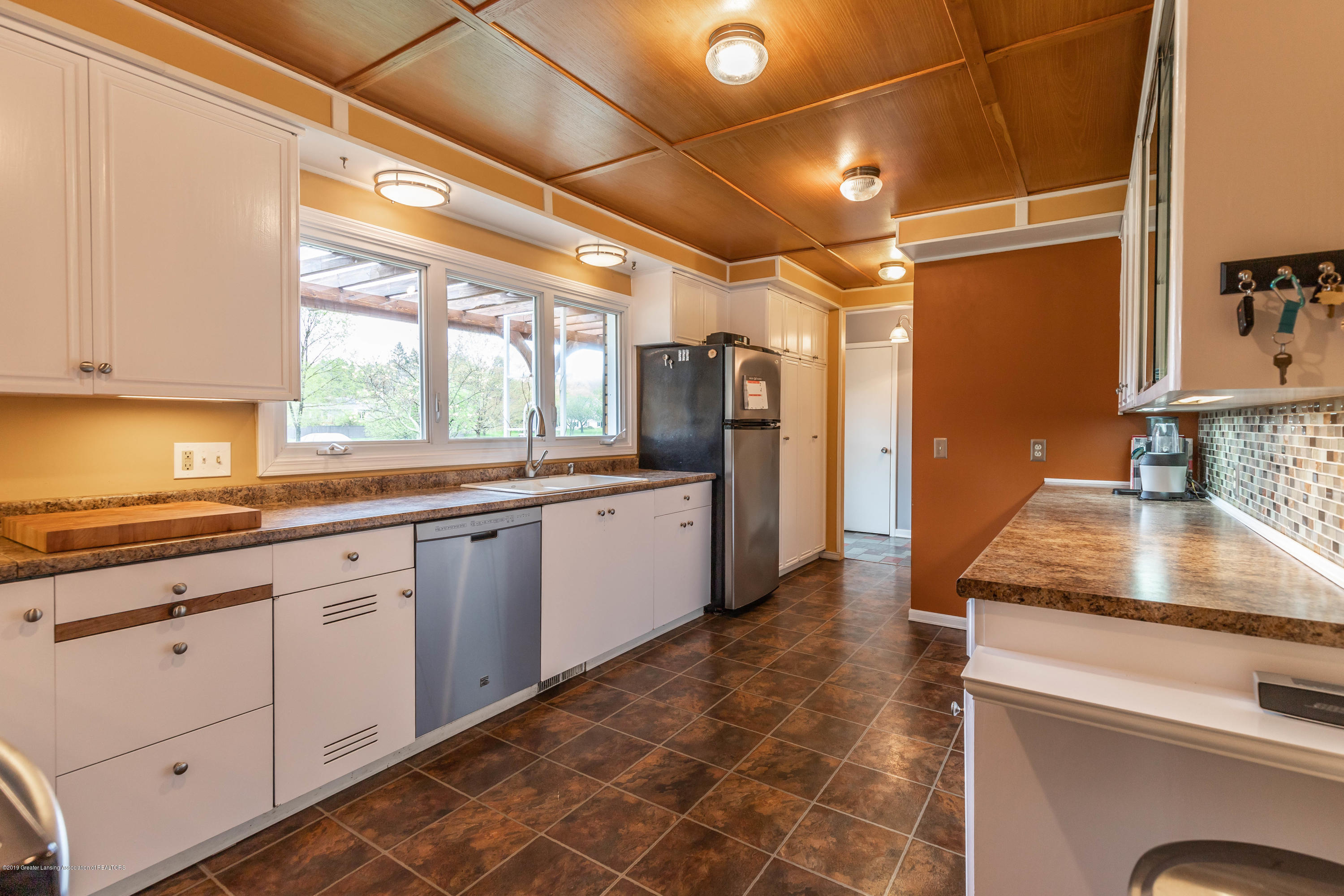 2170 Lagoon Dr - Kitchen - 12