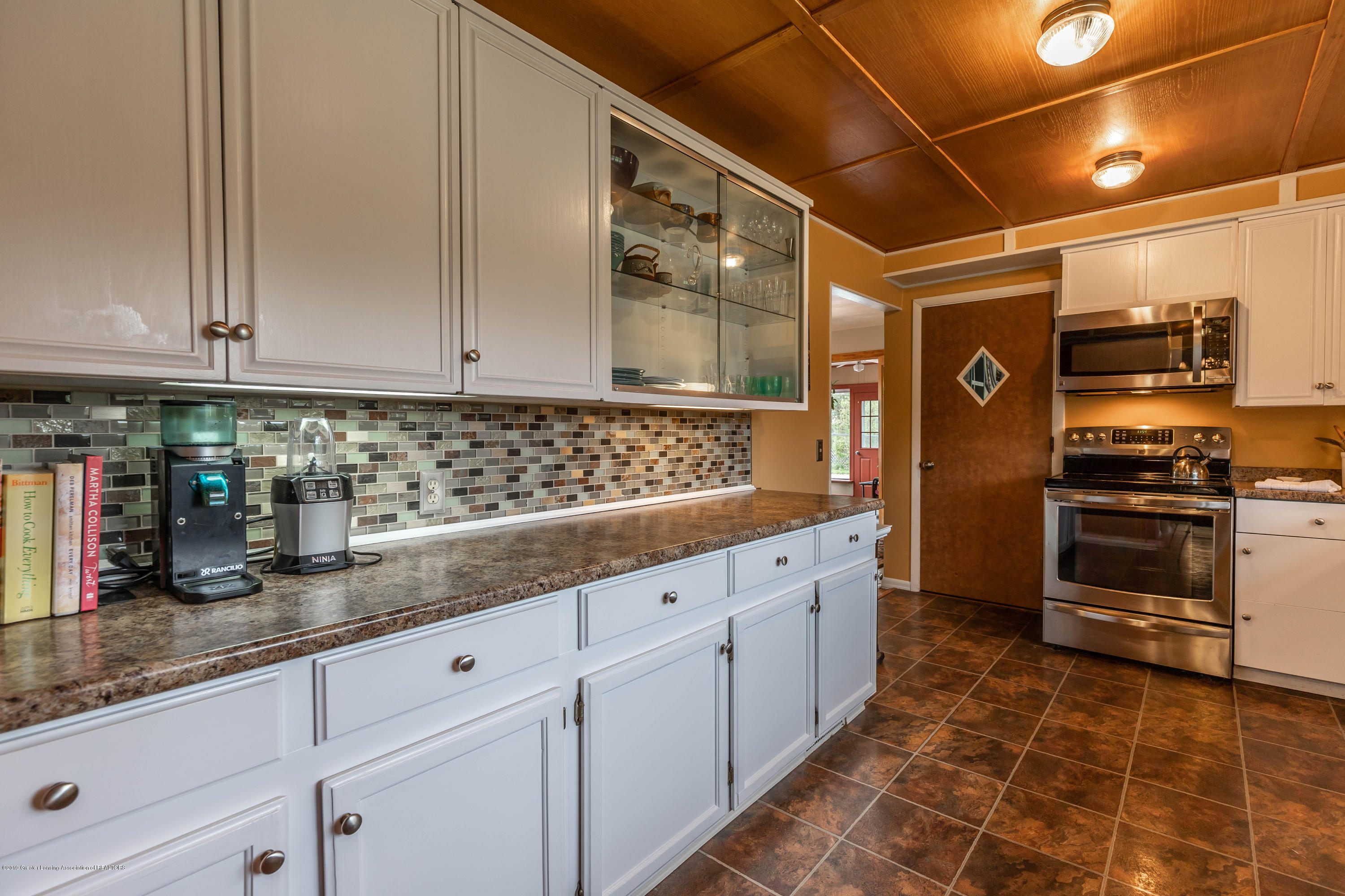 2170 Lagoon Dr - Kitchen - 16