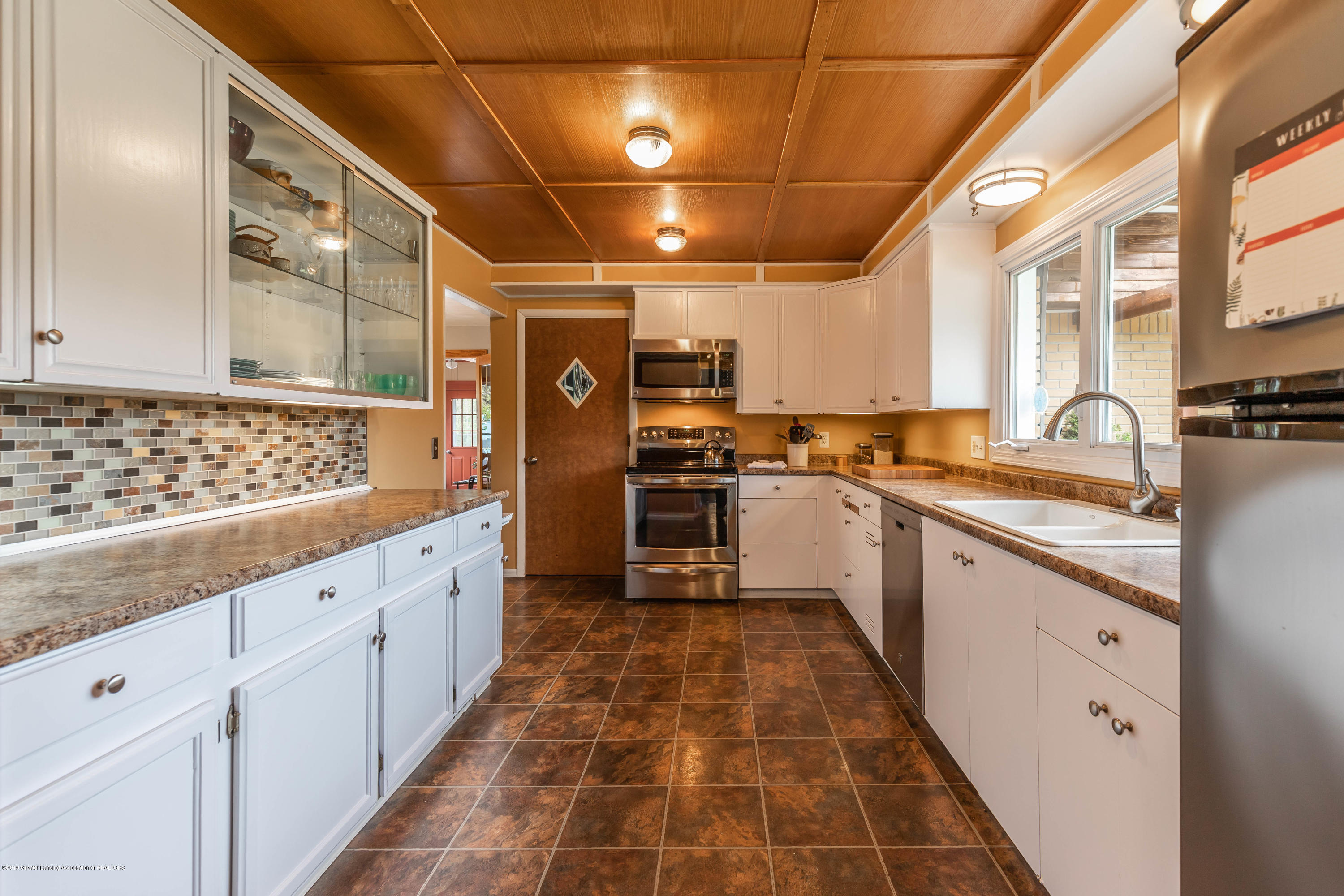 2170 Lagoon Dr - Kitchen - 17
