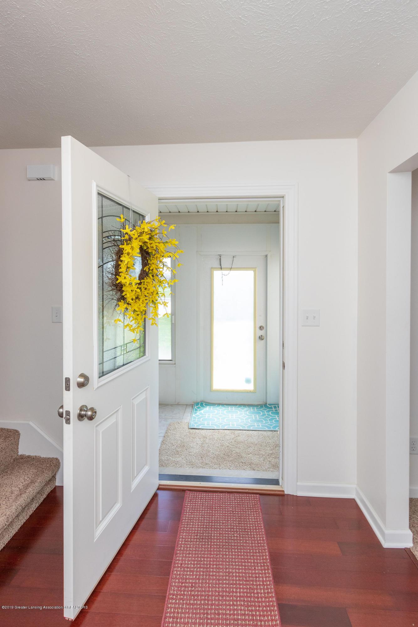 415 Holt Rd - Front door - 12